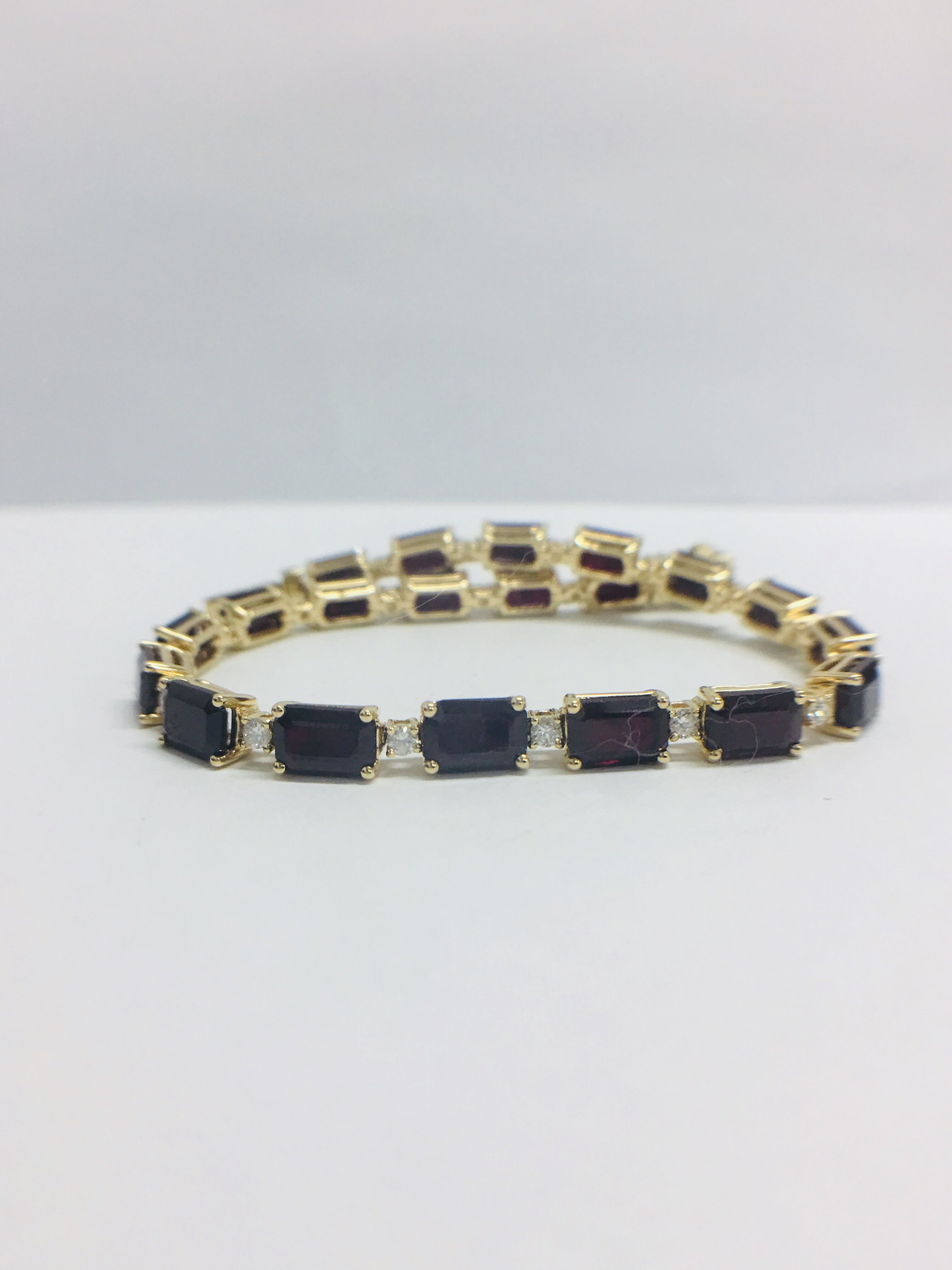18ct yellow gold ruby and diamond tennis bracelet - Image 9 of 10