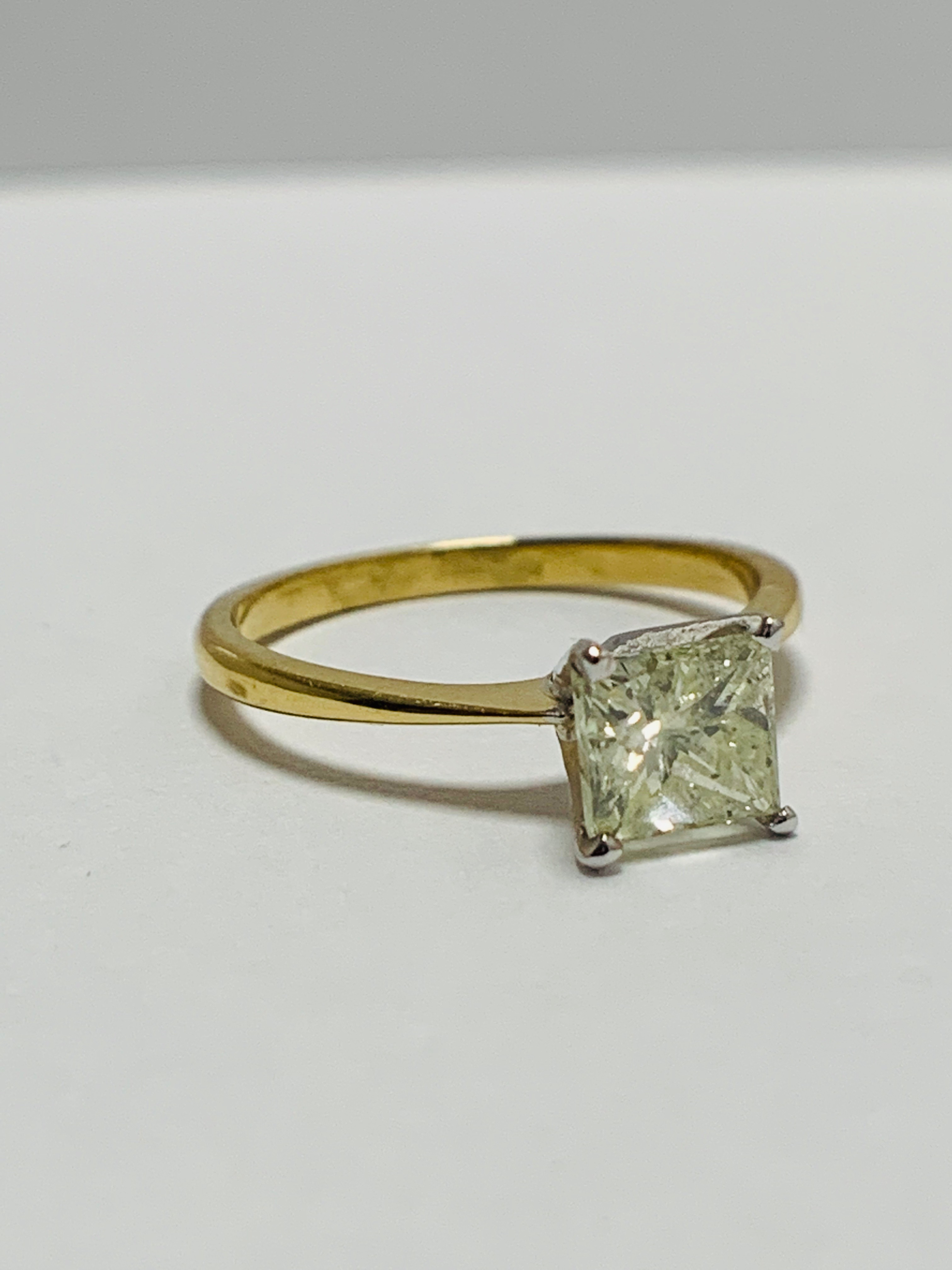 18ct Princess Cut natural diamond solitaire ring - Image 8 of 10