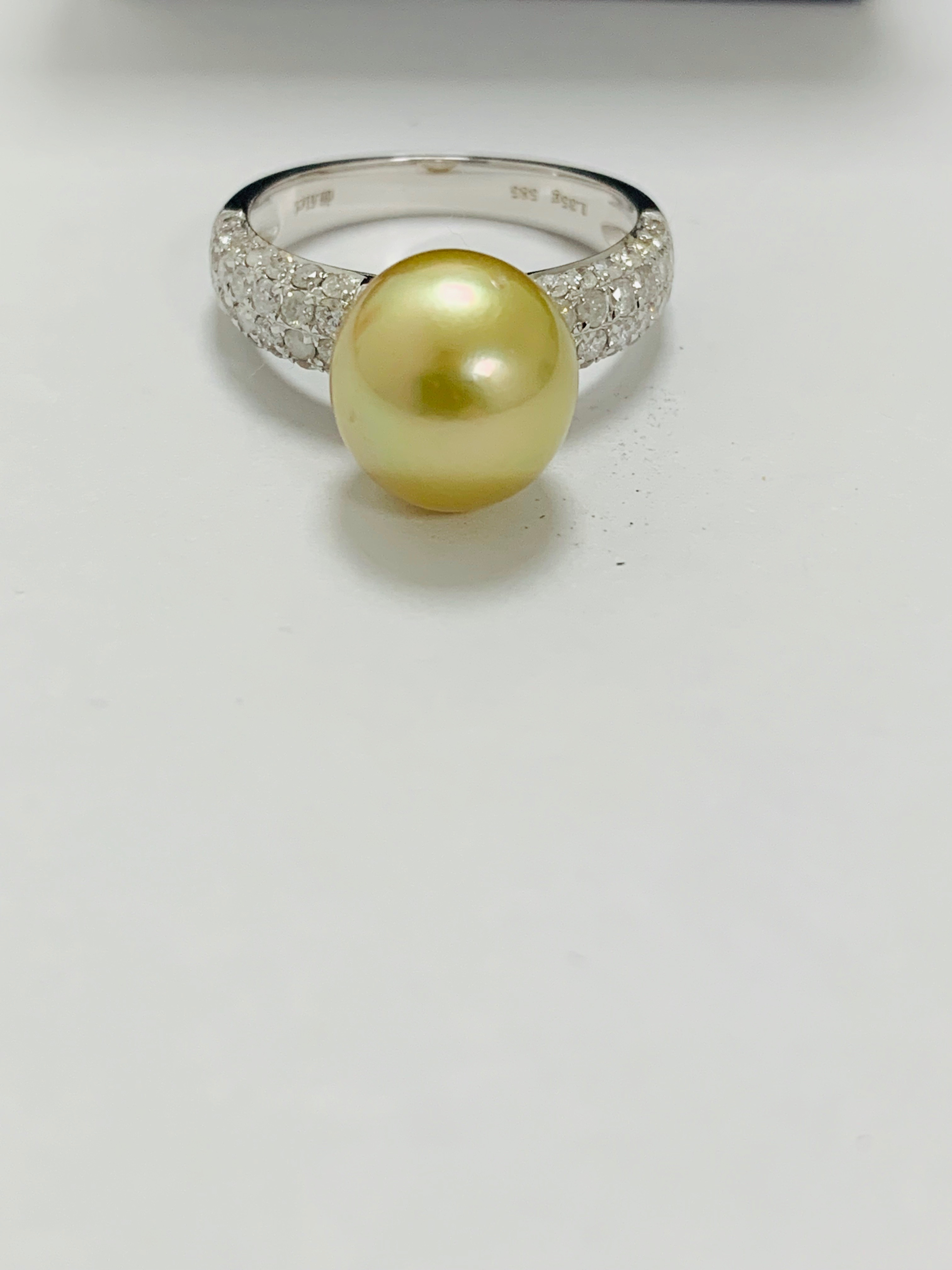 14ct white gold pearl & diamond ring. - Image 5 of 13