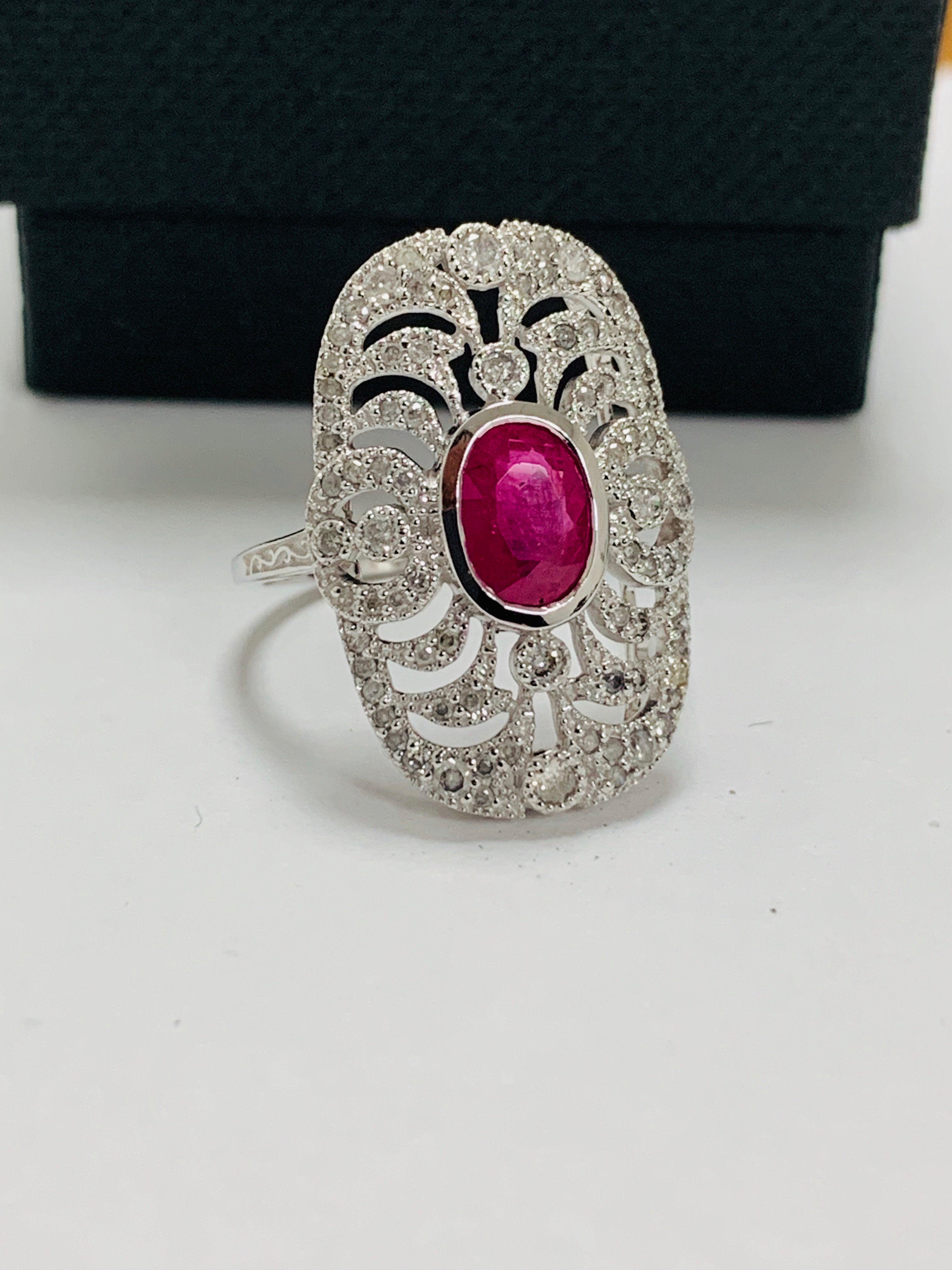 18ct white gold ruby& diamond ring. - Image 10 of 11