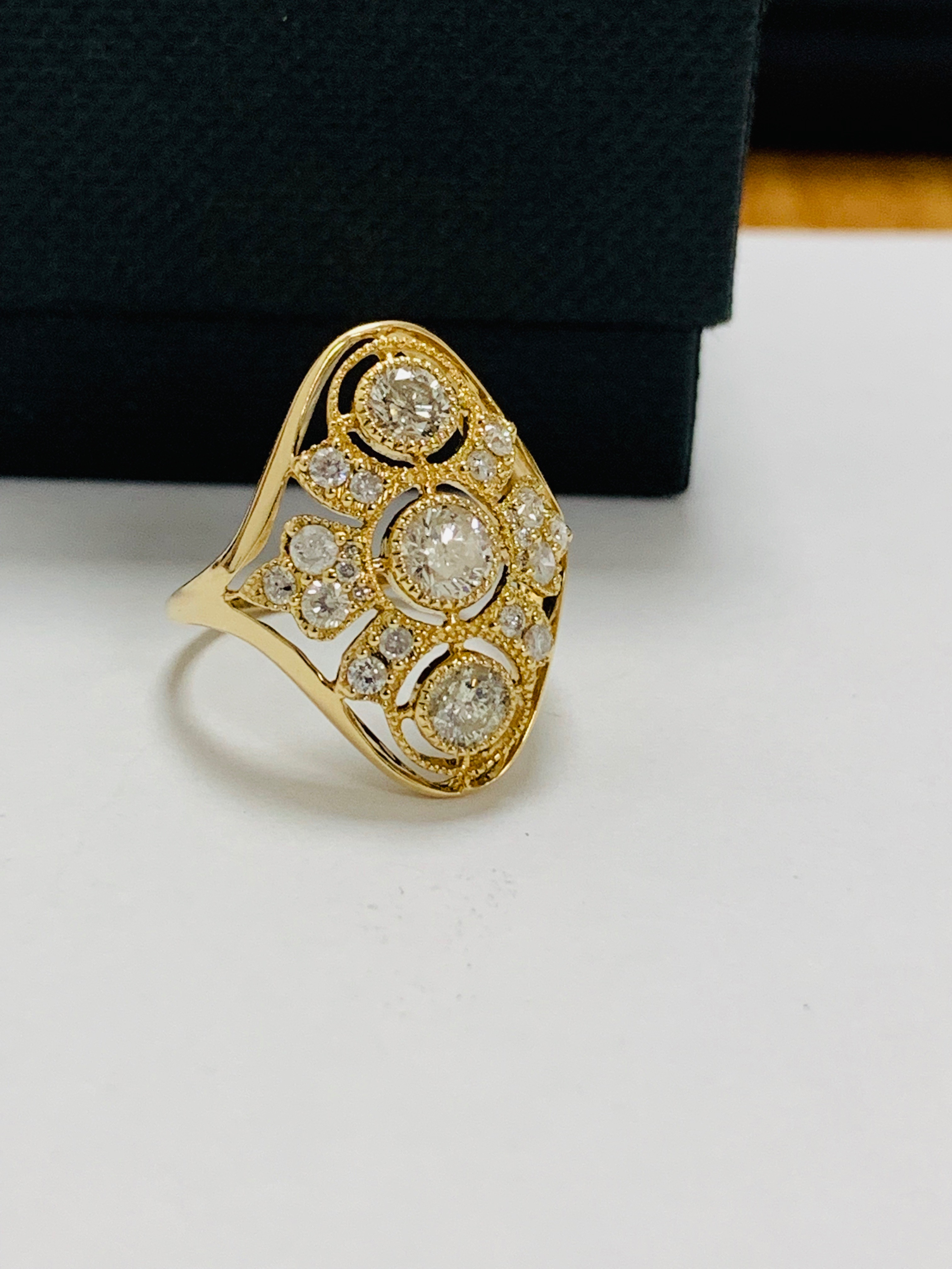 14ct yellow gold diamond ring. - Image 8 of 11