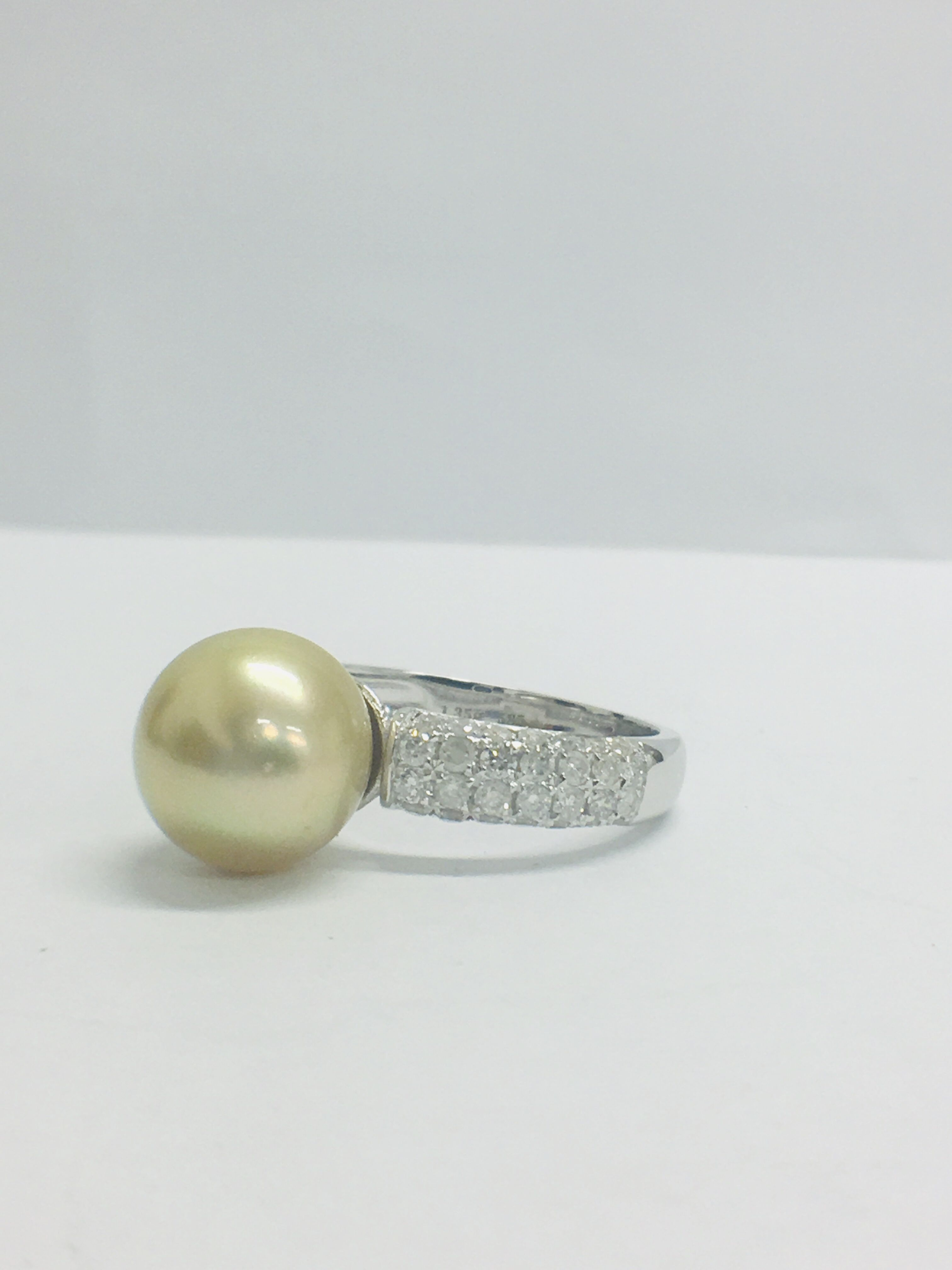 14ct white gold pearl & diamond ring. - Image 2 of 13