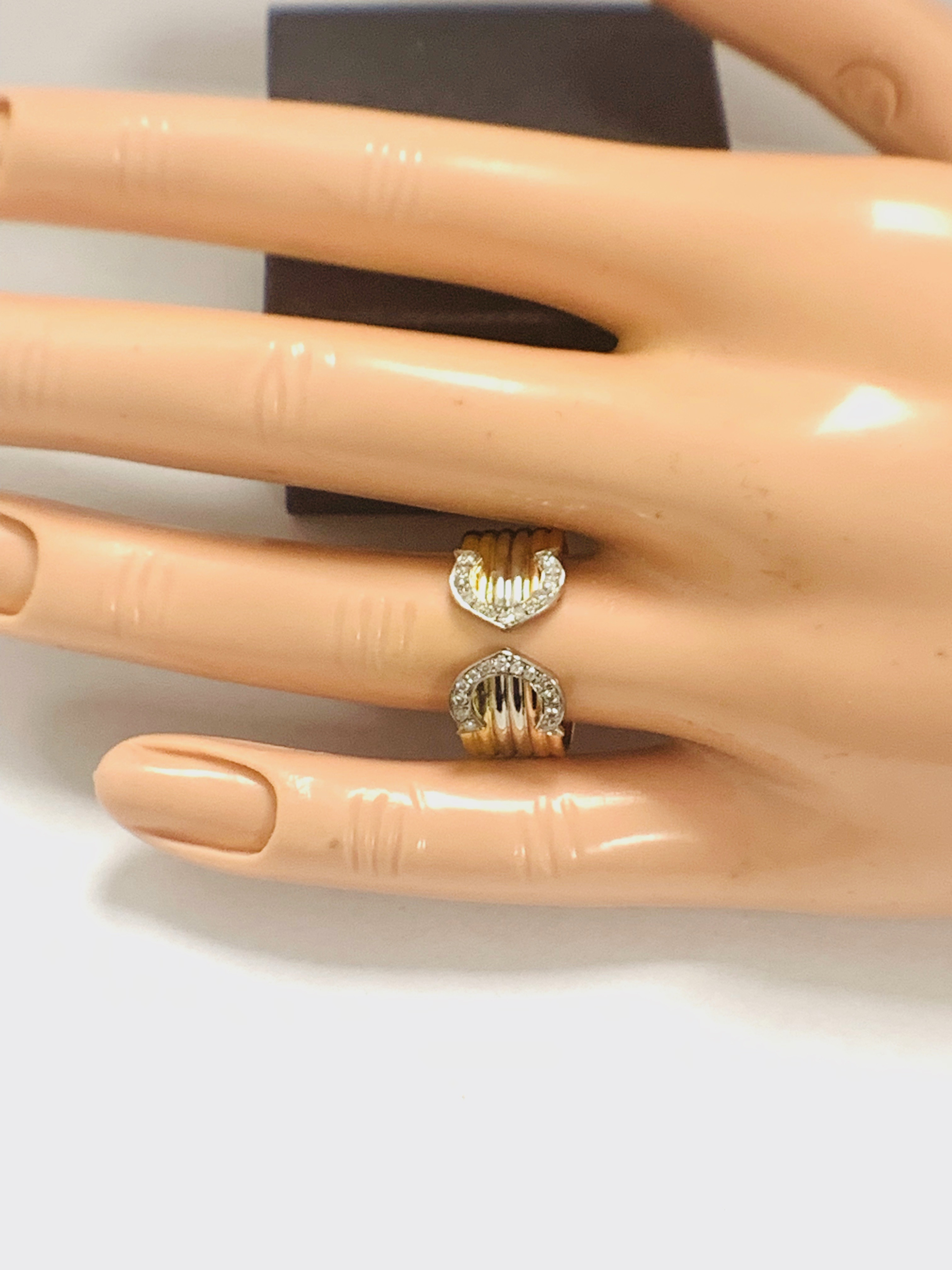 18ct 3 Toned Gold Diamond Chanel ring - Image 9 of 11