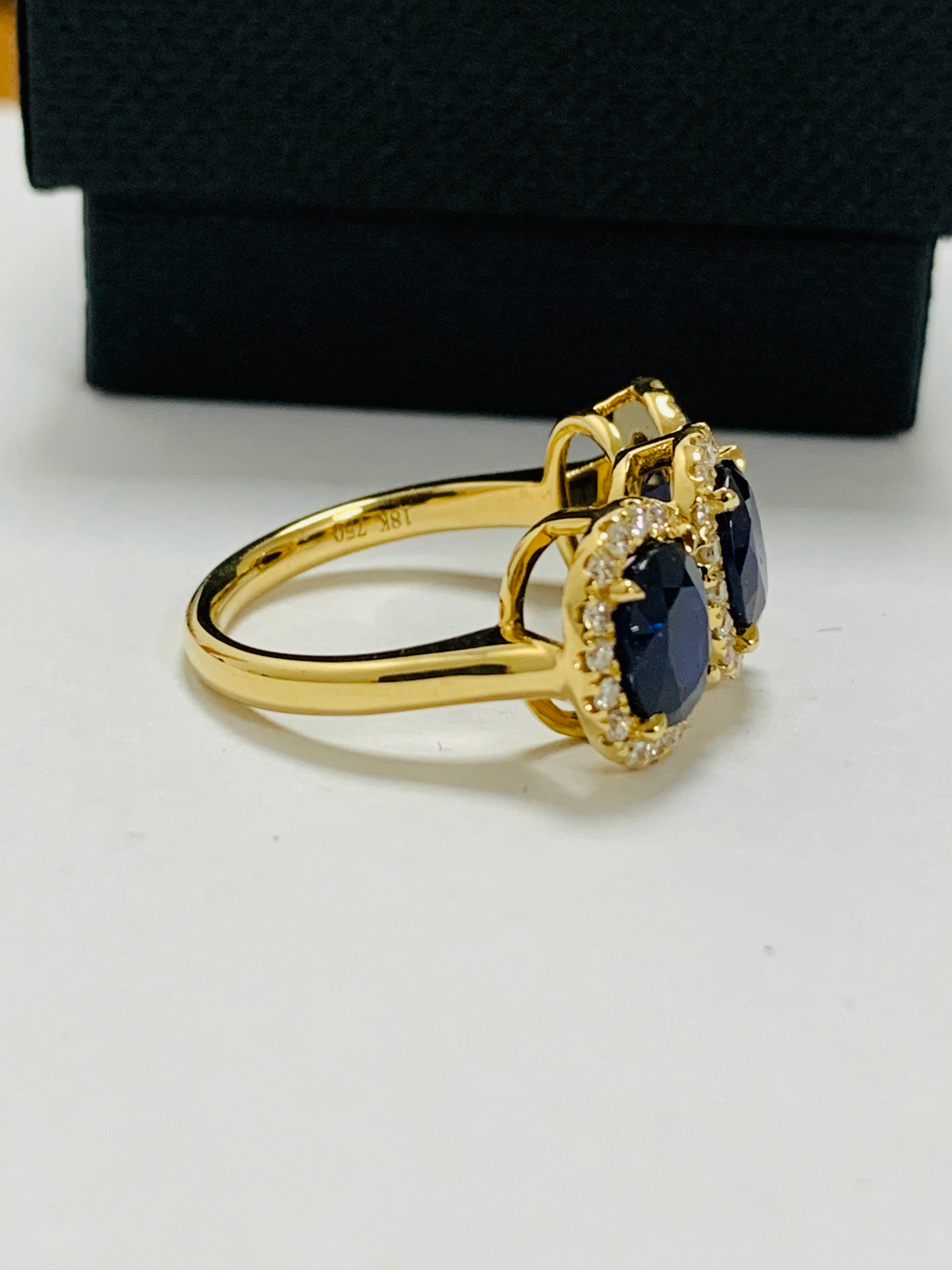 18ct yellow gold sapphire and diamond ring - Image 8 of 12