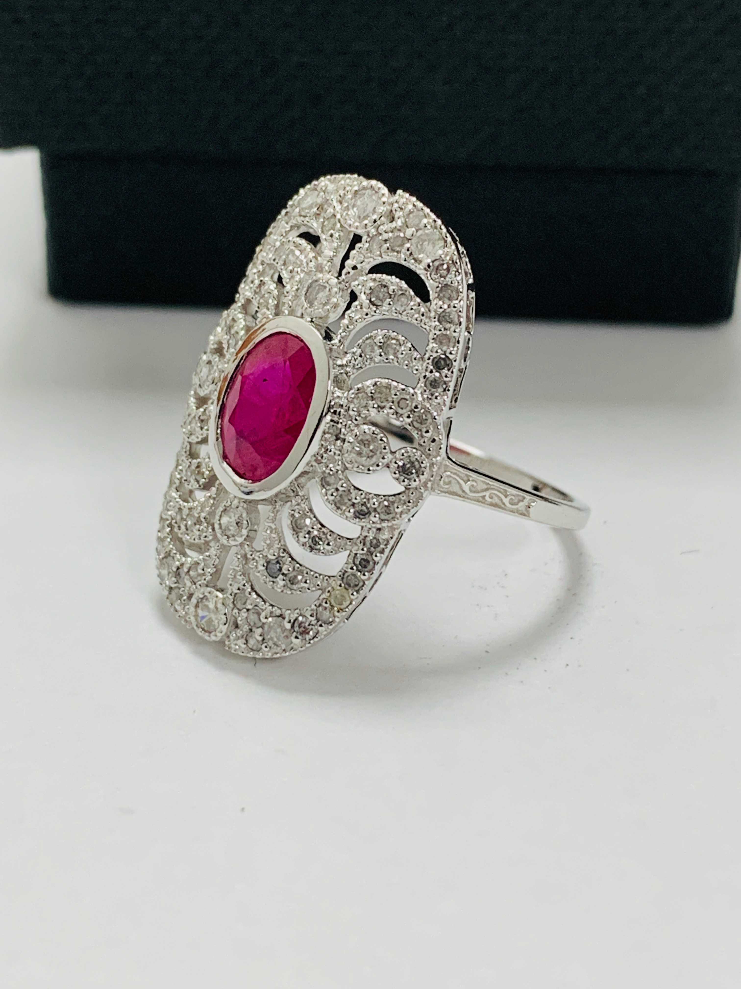 18ct white gold ruby& diamond ring. - Image 2 of 11
