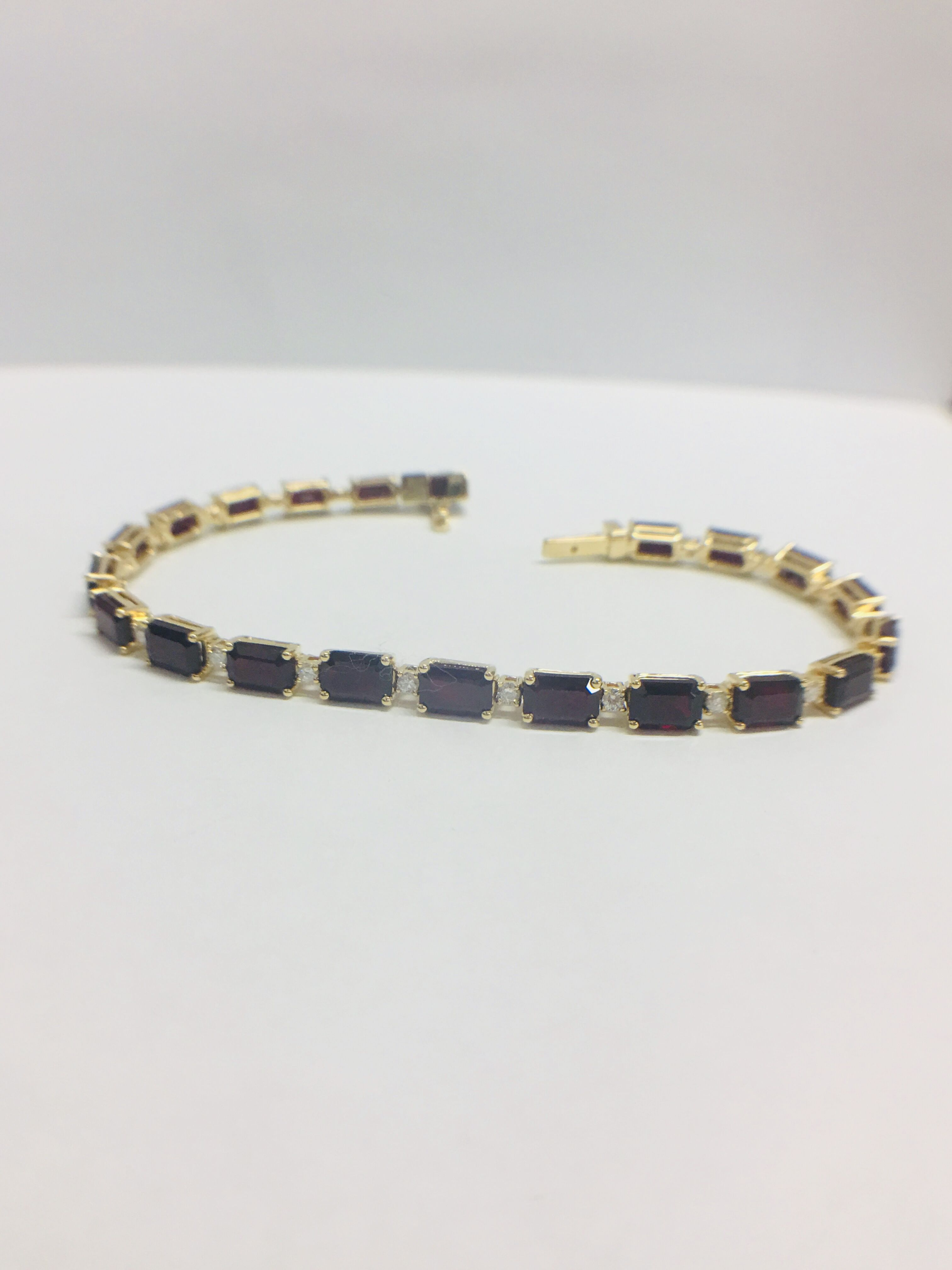 18ct yellow gold ruby and diamond tennis bracelet - Image 6 of 10