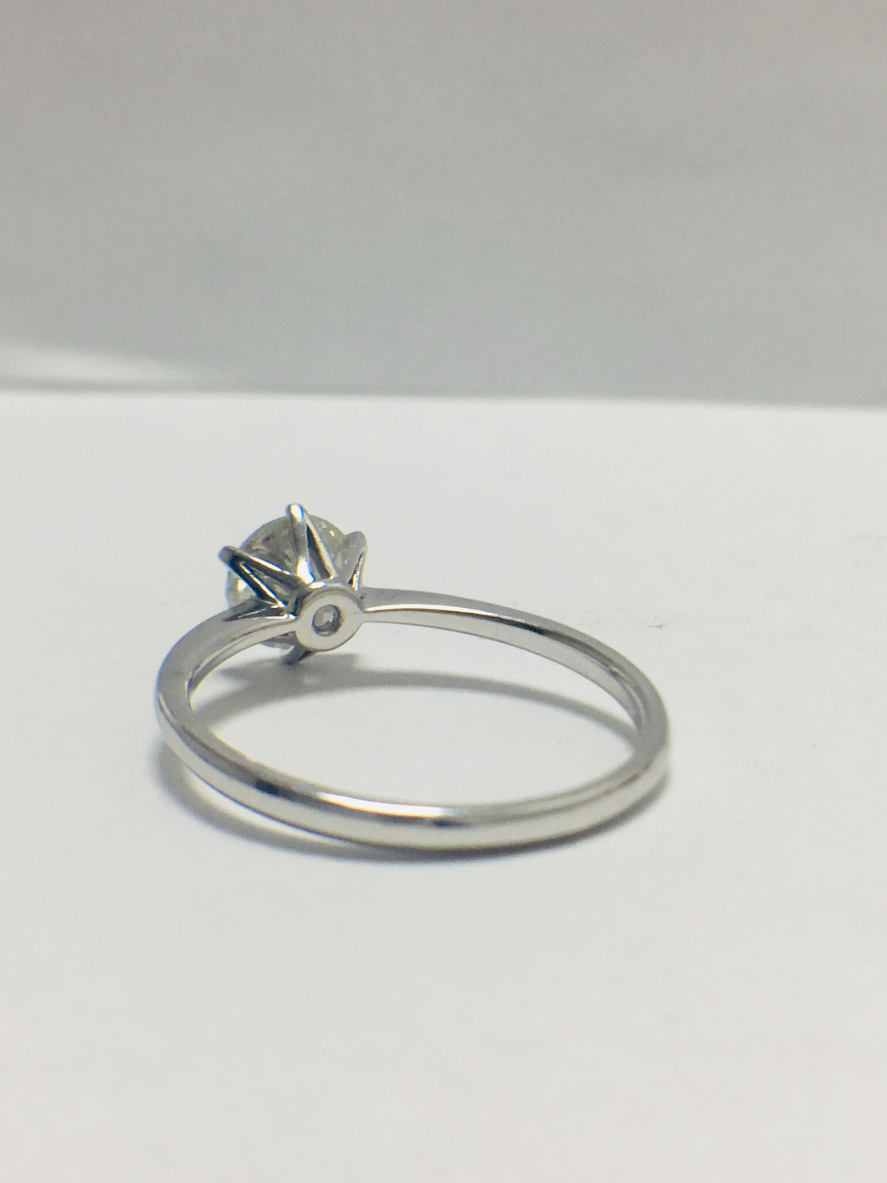 1ct platinum Diamond solitaire ring - Image 4 of 10