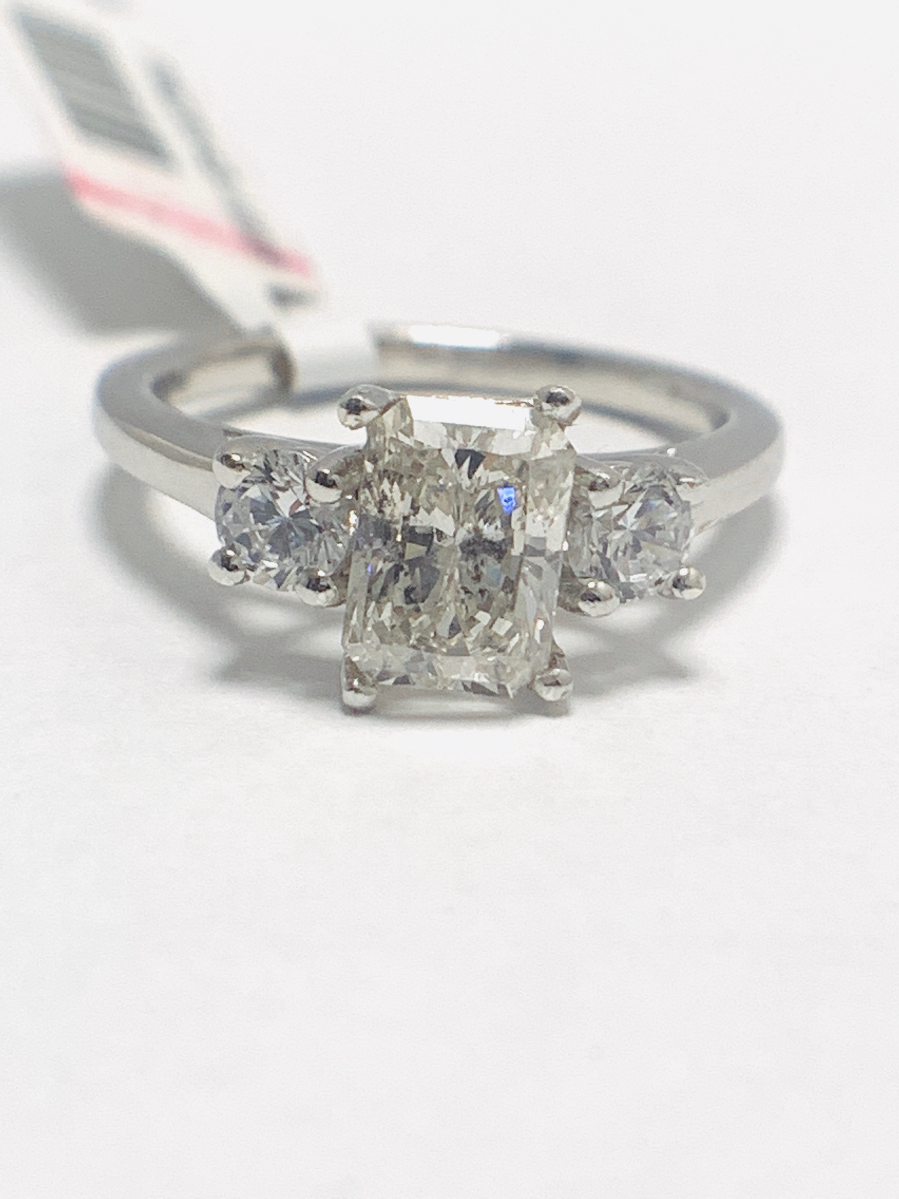 1.50ct trilogy platinum diamond ring - Image 2 of 10