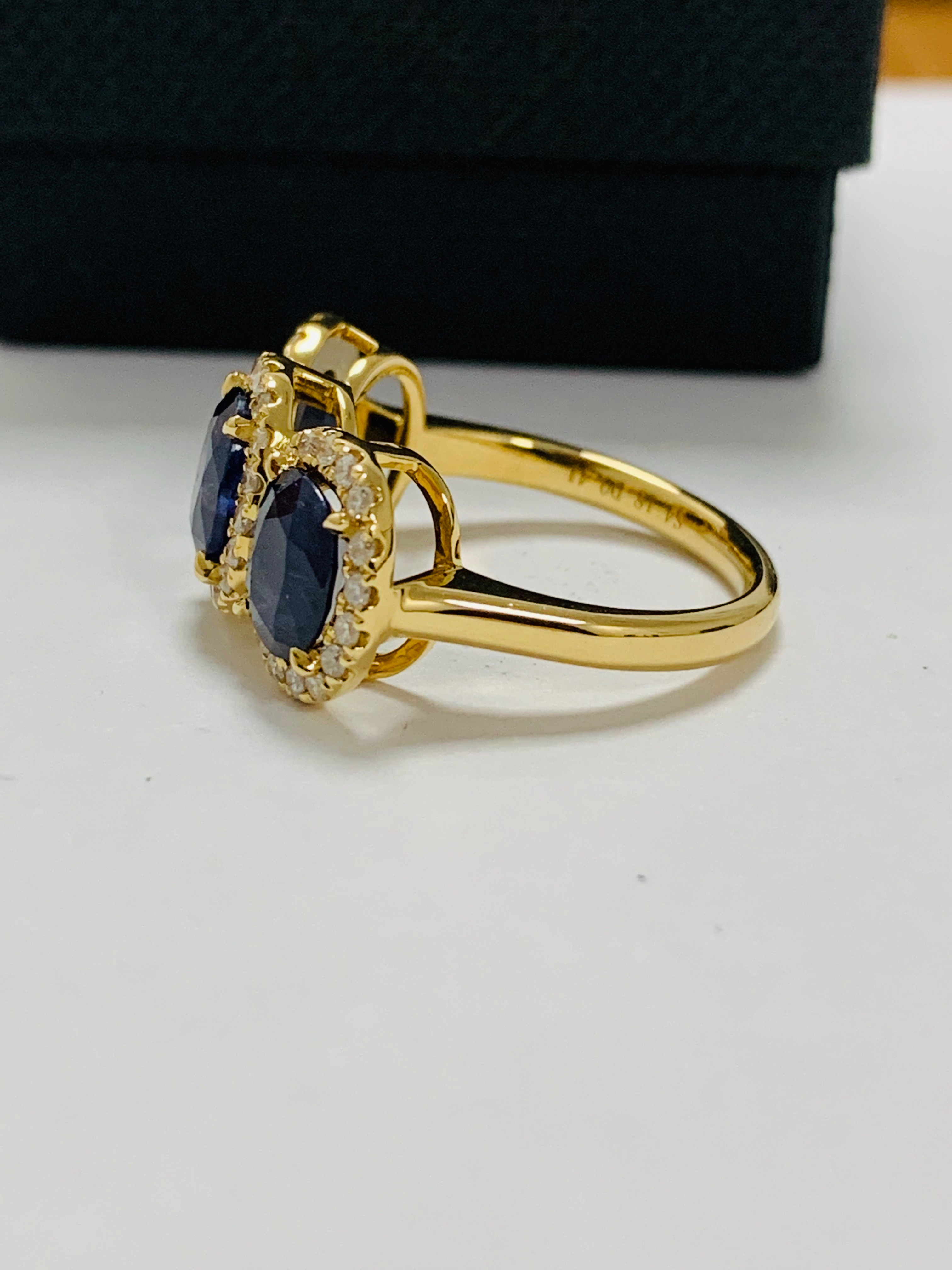 18ct yellow gold sapphire and diamond ring - Image 3 of 12