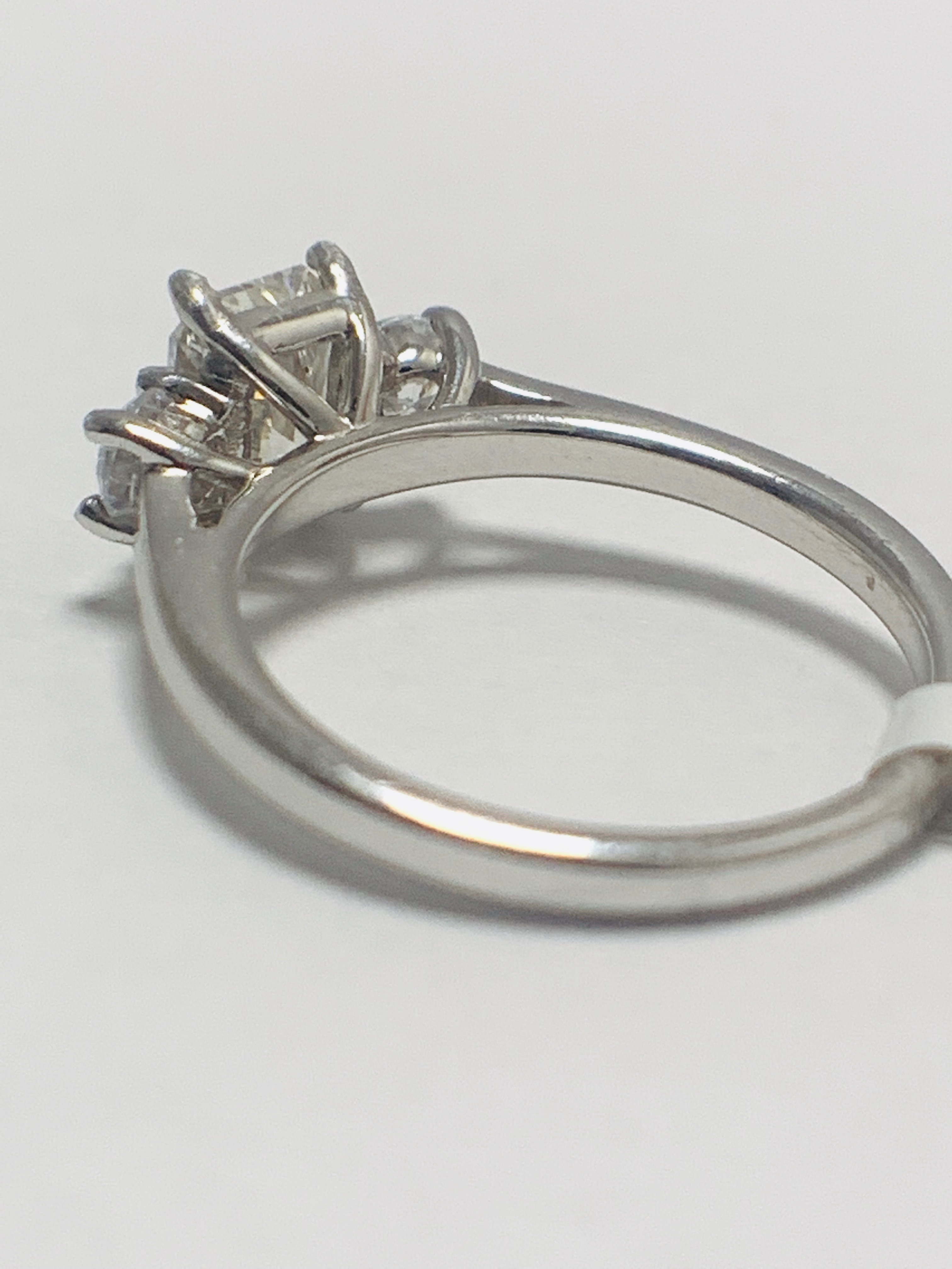 1.50ct trilogy platinum diamond ring - Image 5 of 10