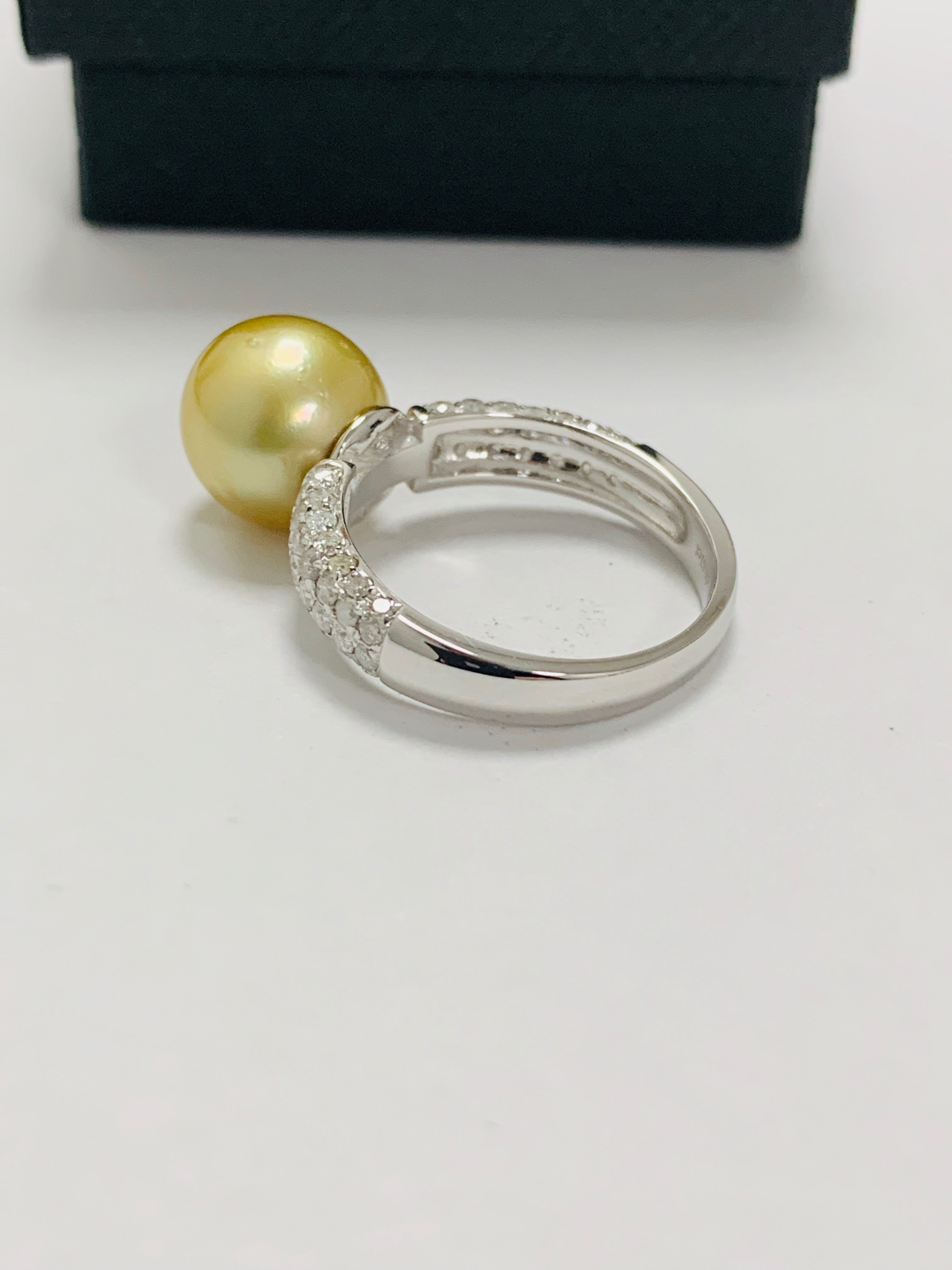 14ct white gold pearl & diamond ring. - Image 8 of 13