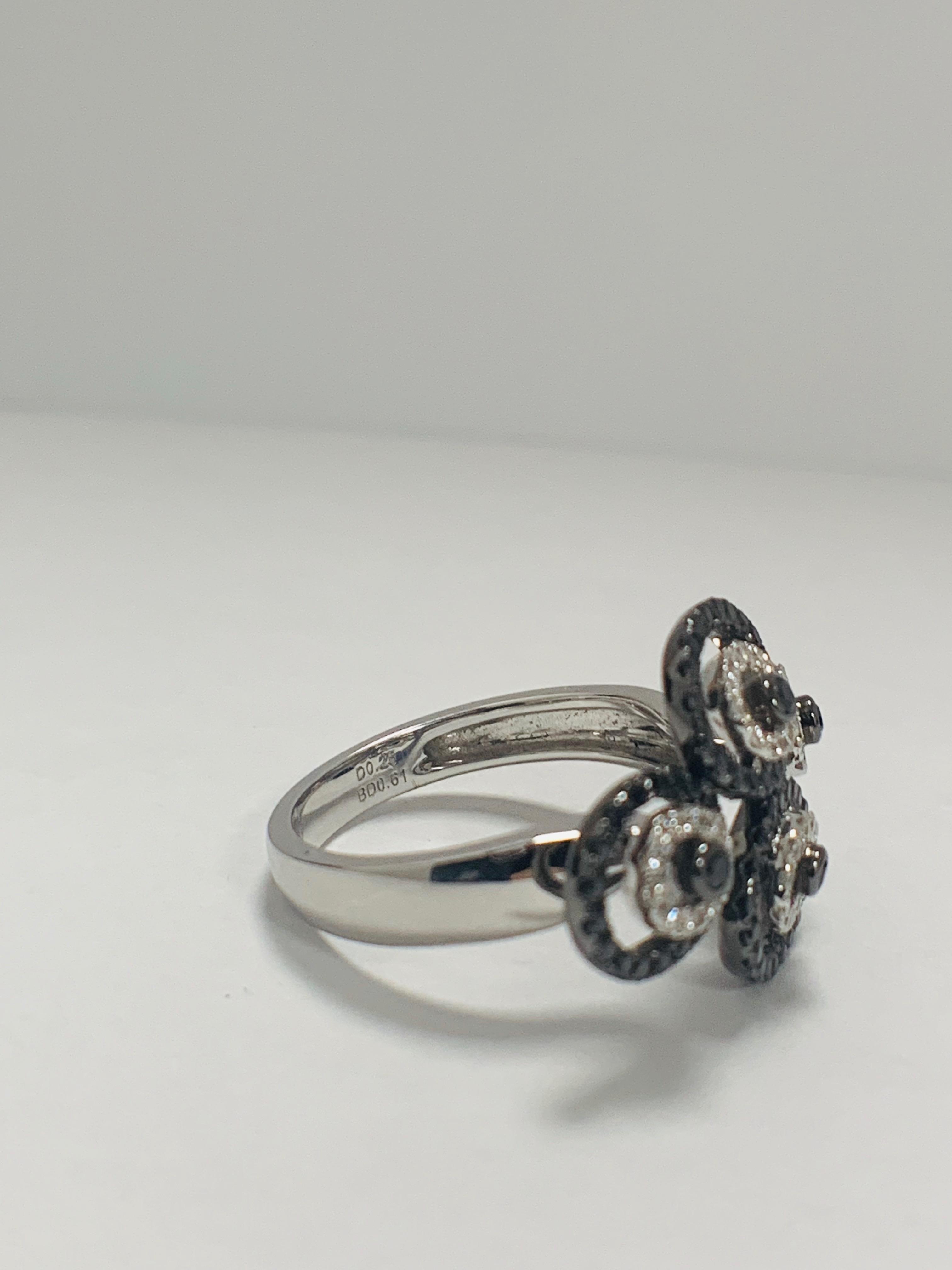 18ct White Gold Diamond ring featuring 80 round cut, black Diamonds (0.61ct TBDW) - Image 8 of 12