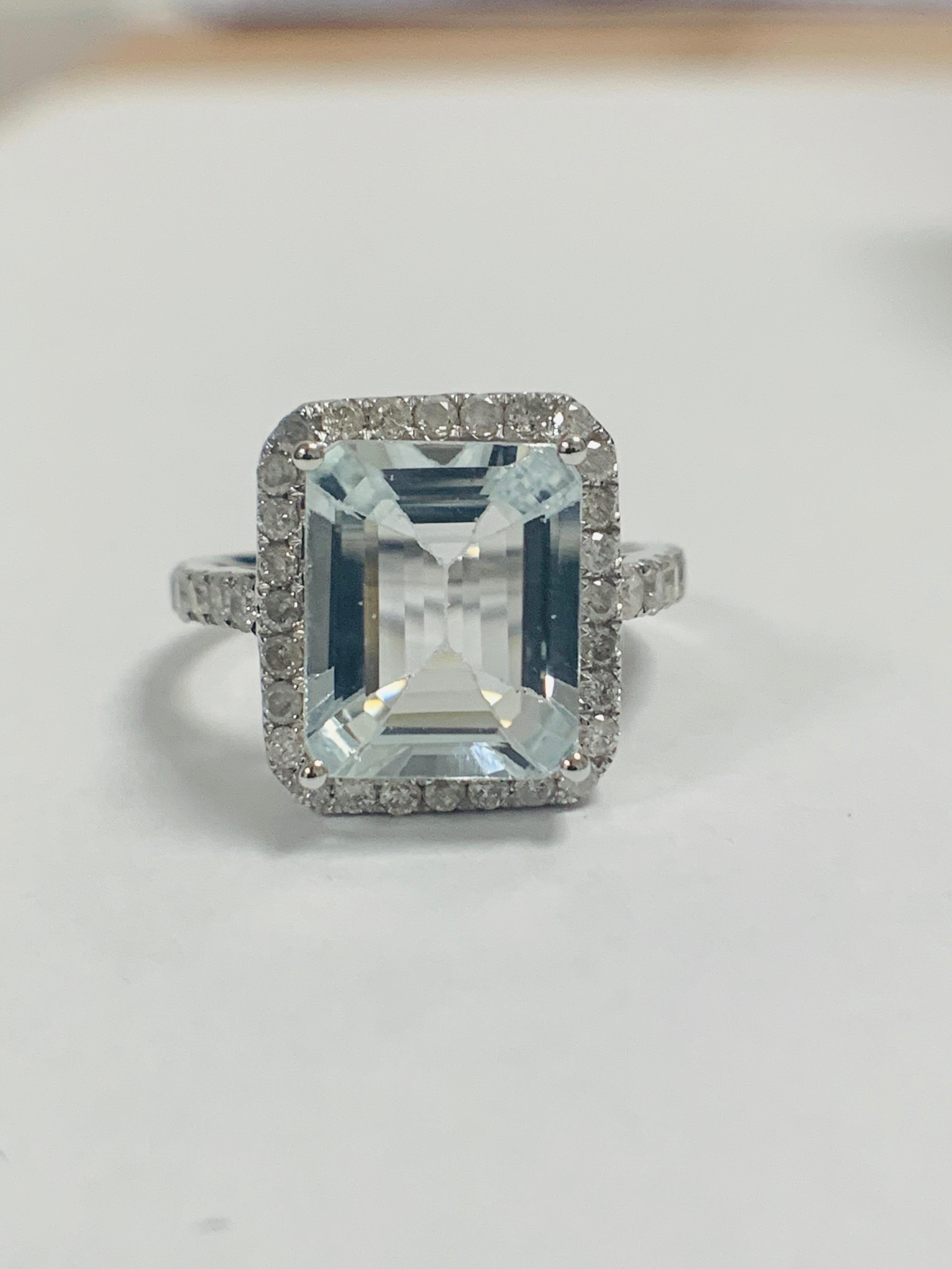 14ct White Gold Aquamarine and Diamond ring - Image 10 of 12