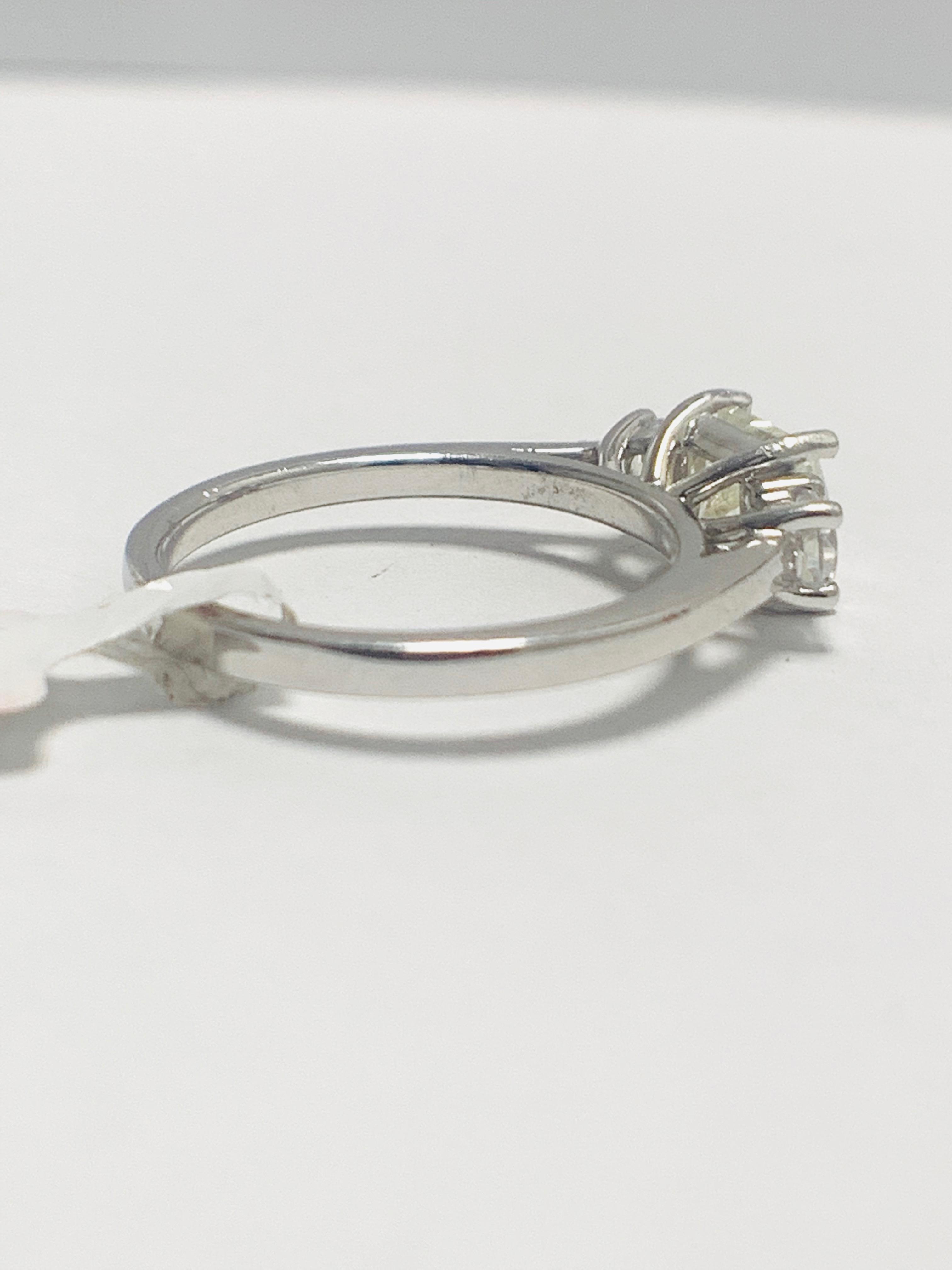 Platinum diamond three stone ring 1.50ct - Image 5 of 8