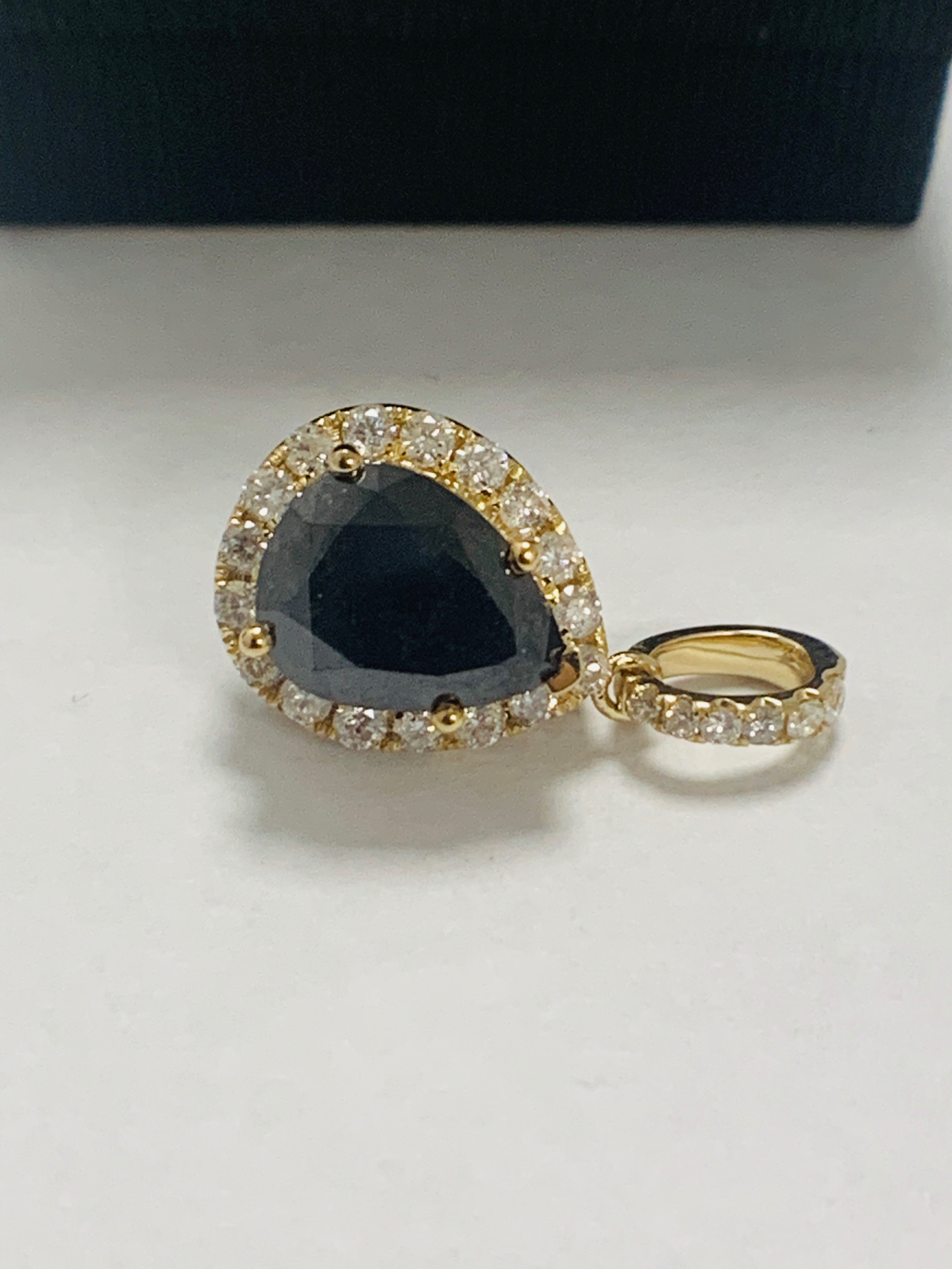 14ct Yellow Gold Diamond pendant featuring centre, pear cut, black Diamond (2.86ct) - Image 3 of 6