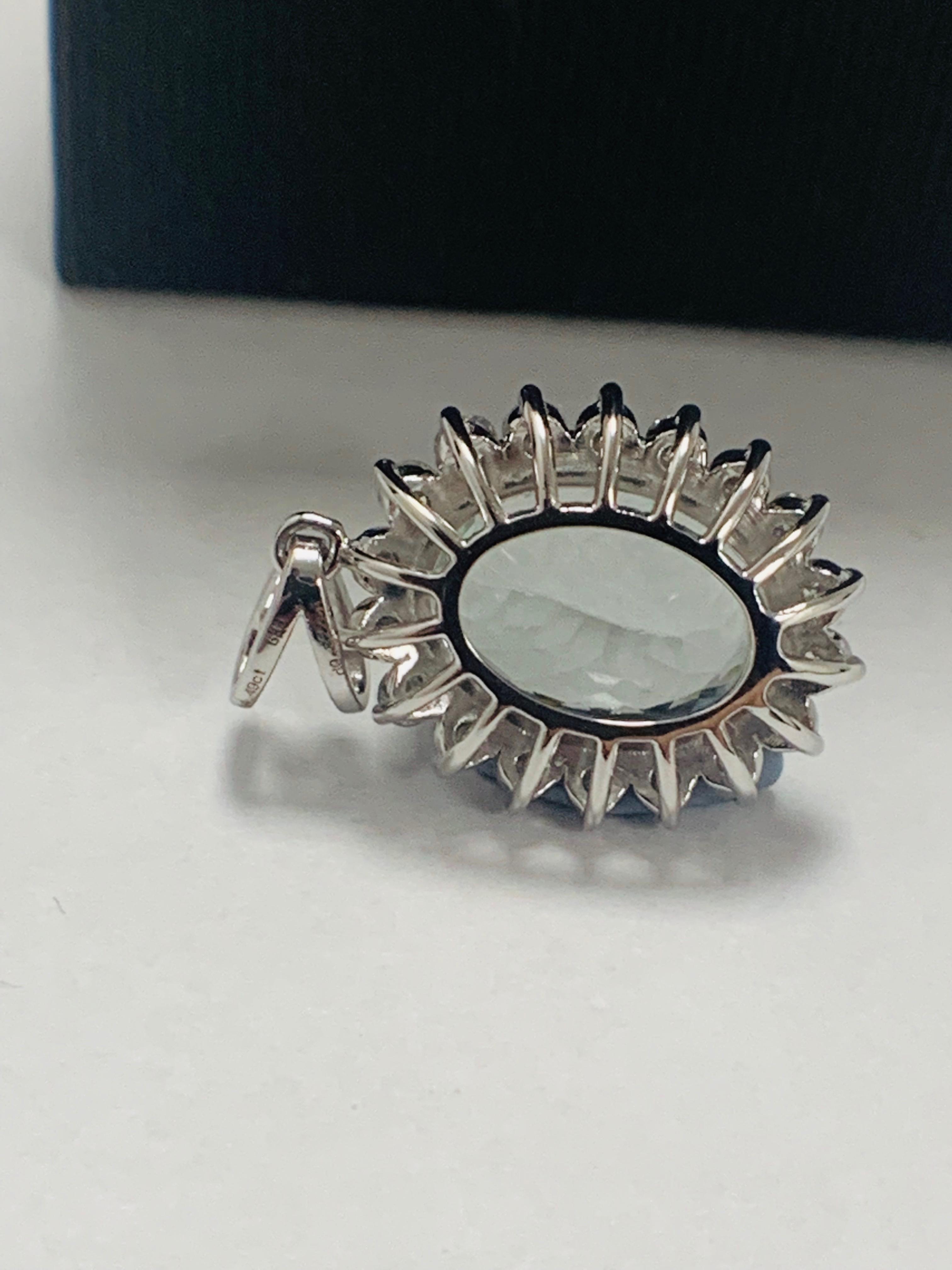 14ct White Gold Aquamarine and Diamond pendant - Image 2 of 5