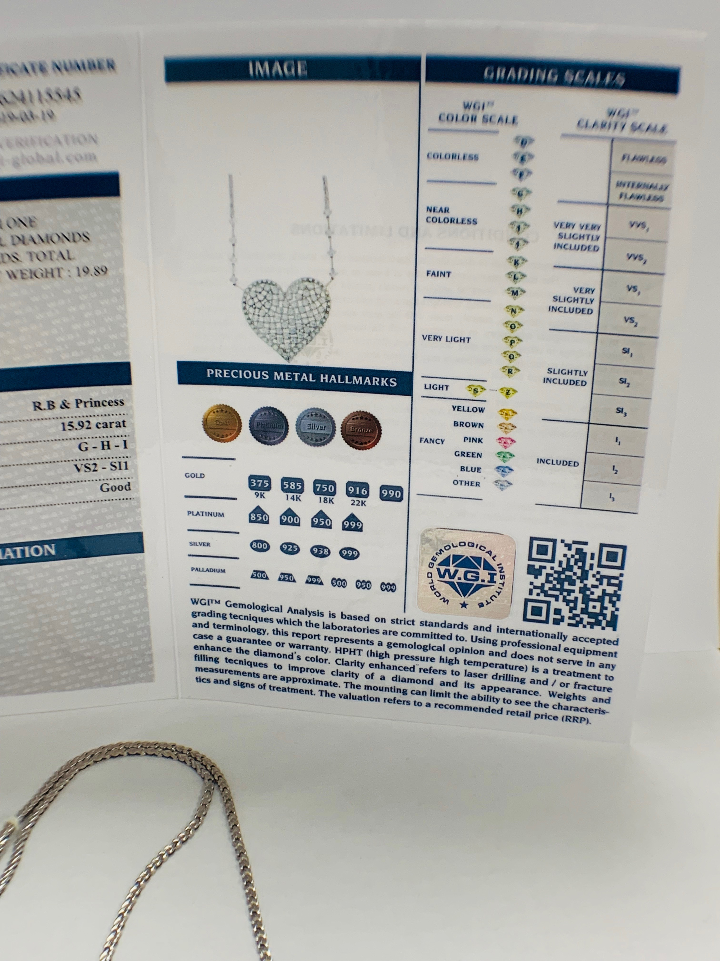 18ct White Gold Diamond heart necklace - Image 10 of 12