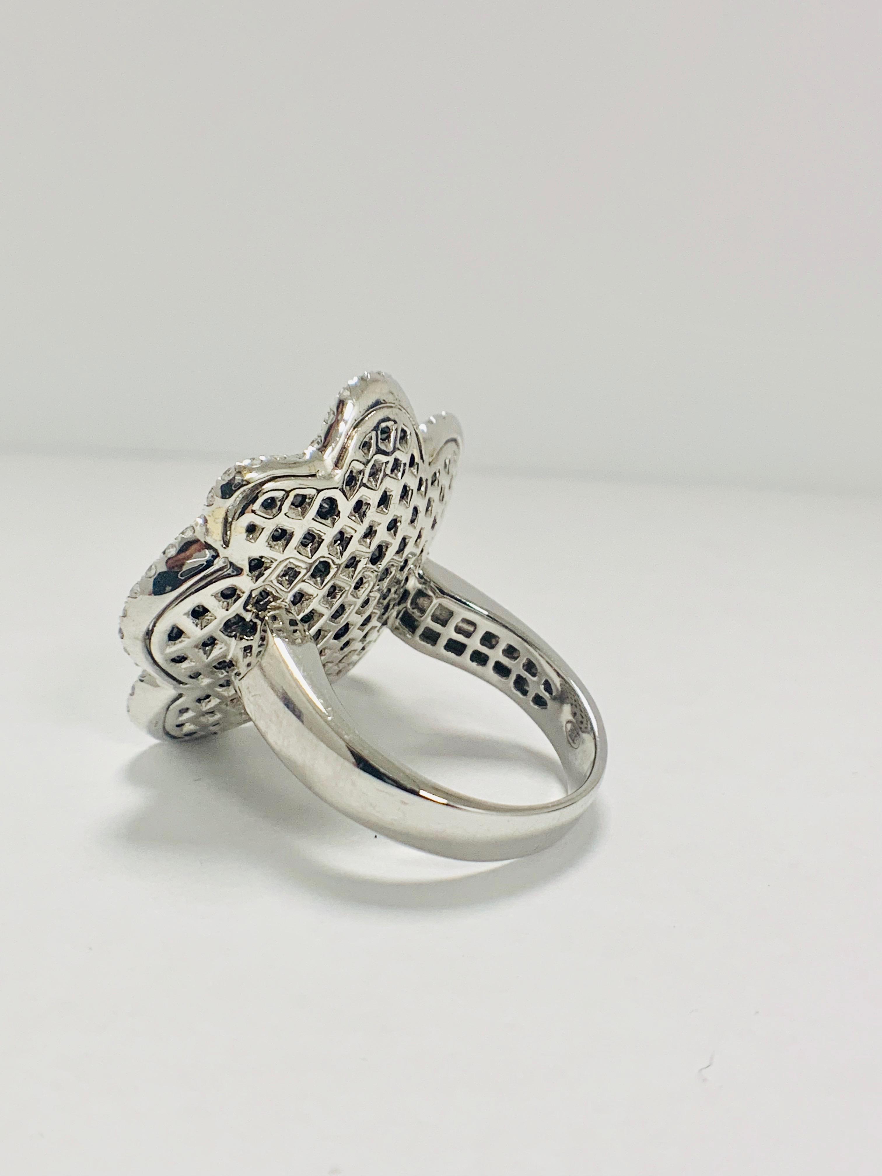 18ct White Gold Diamond flower design ring featuring 123 round cut, black Diamonds (2.25ct TBDW) - Image 3 of 13