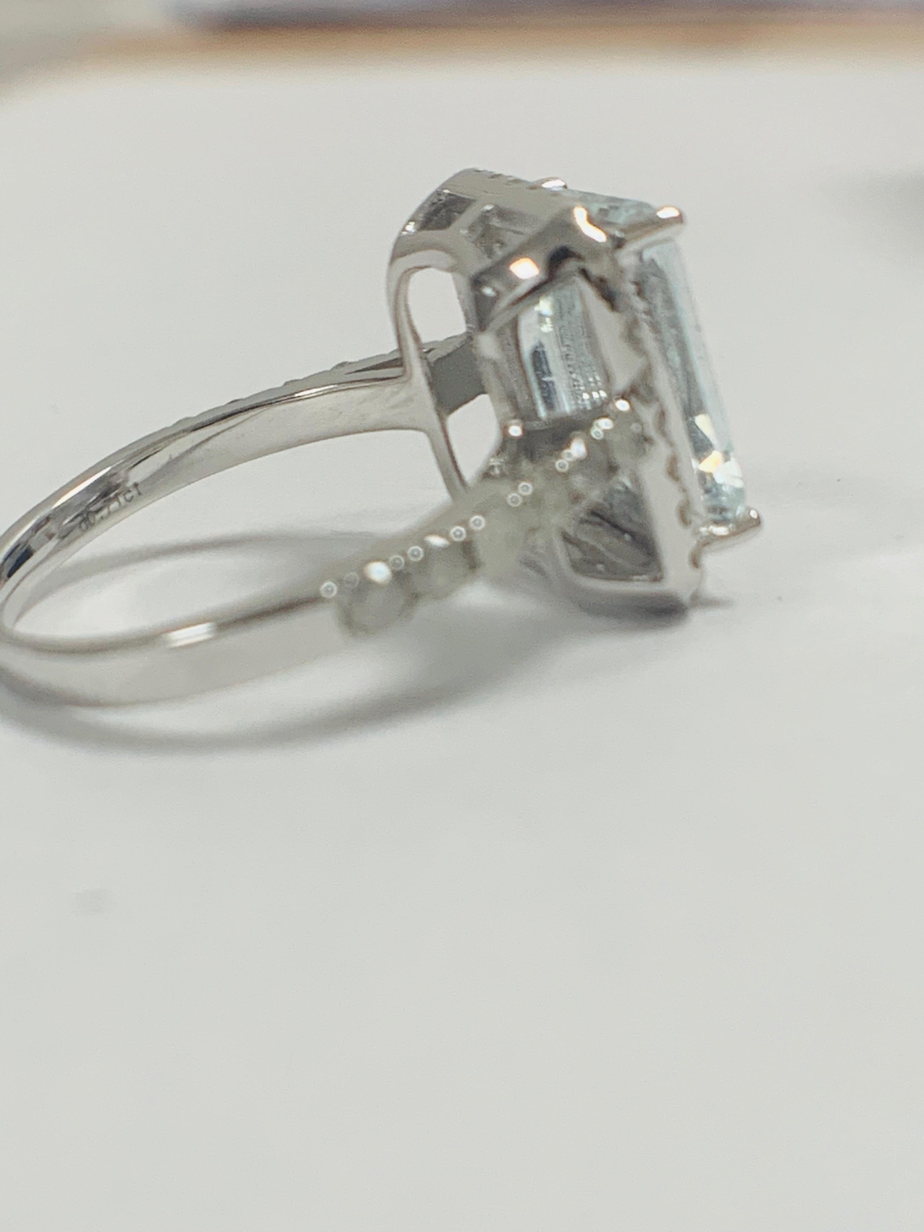 14ct White Gold Aquamarine and Diamond ring - Image 8 of 12