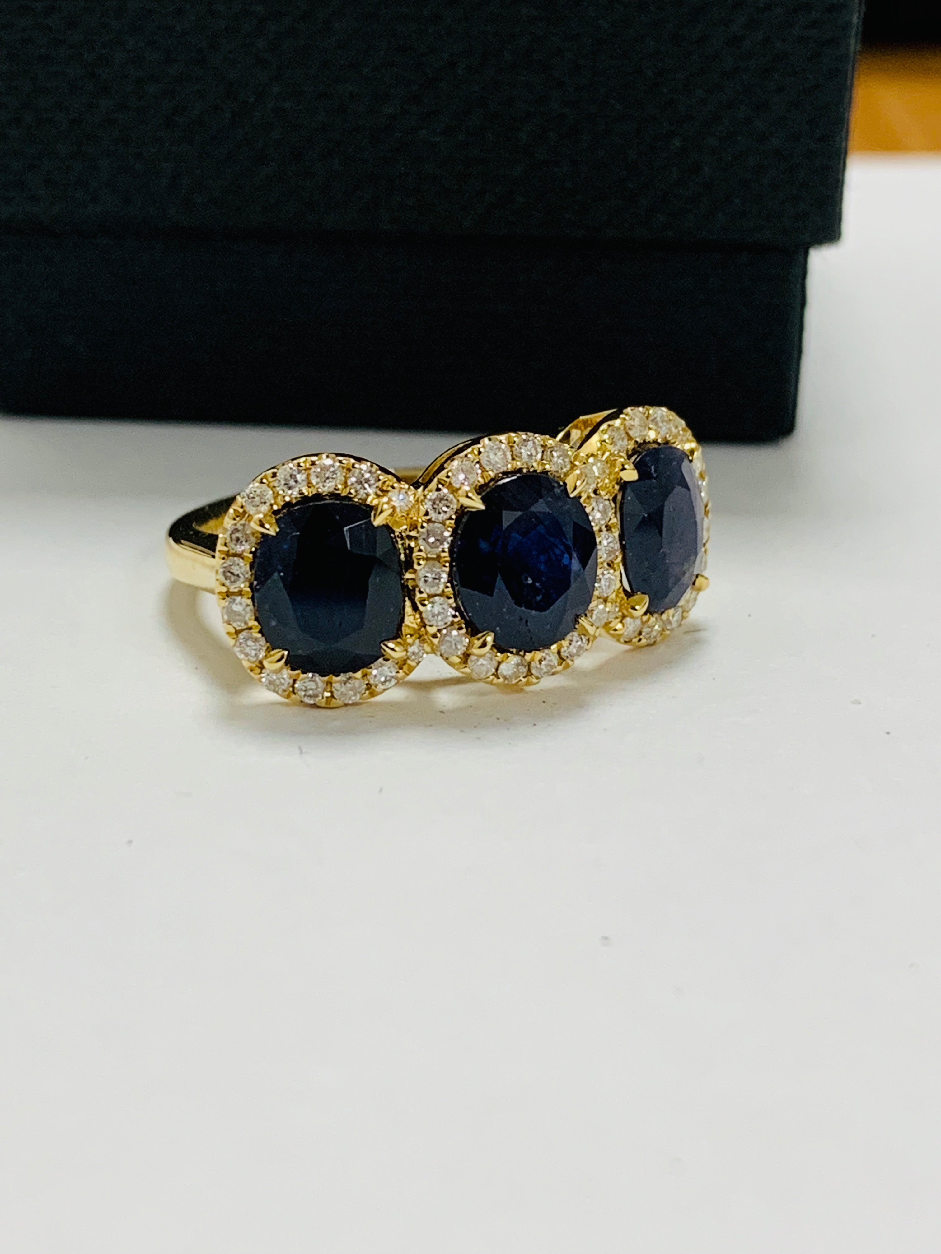 18ct yellow gold sapphire and diamond ring - Image 9 of 12