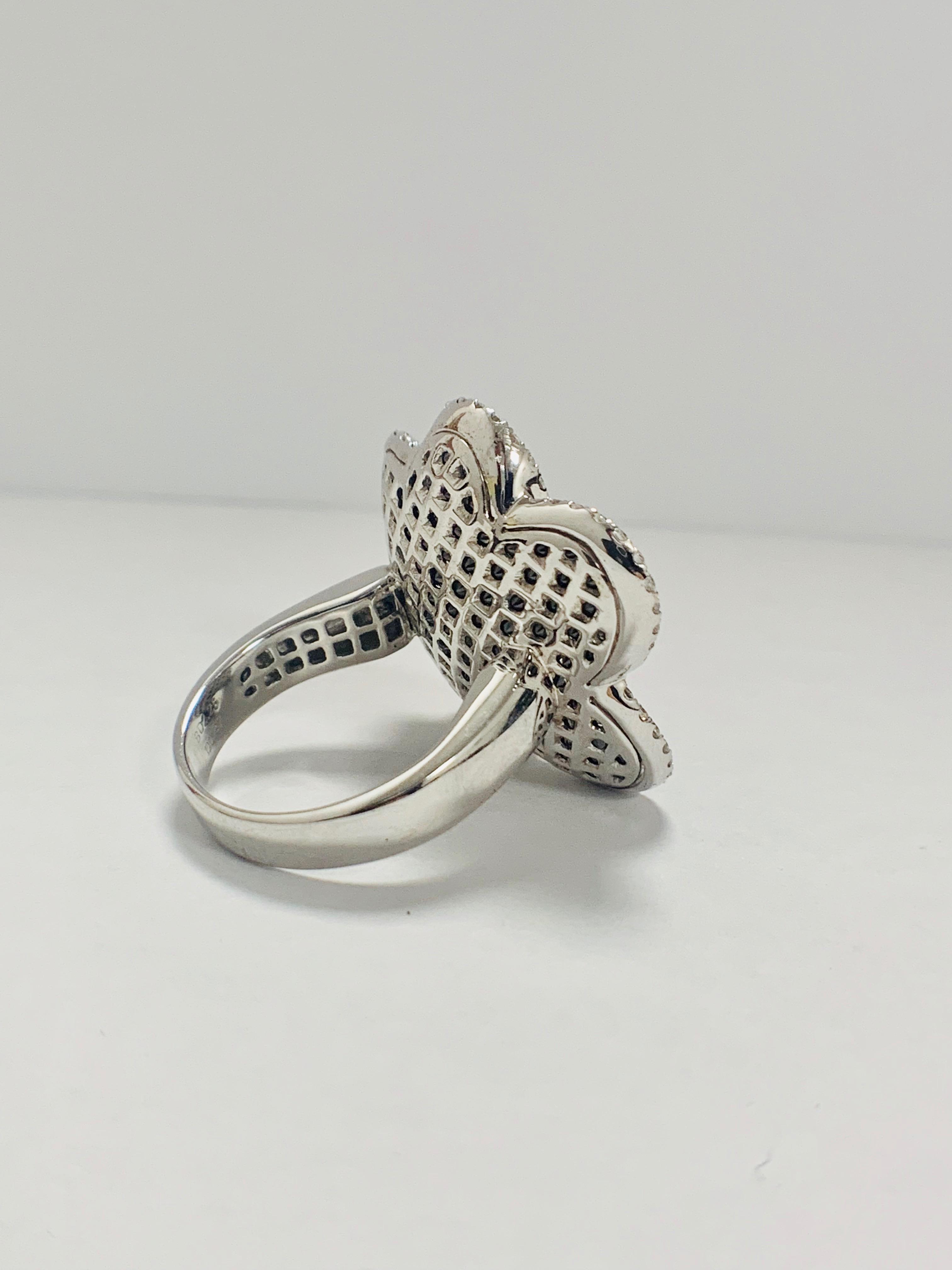 18ct White Gold Diamond flower design ring featuring 123 round cut, black Diamonds (2.25ct TBDW) - Image 6 of 13