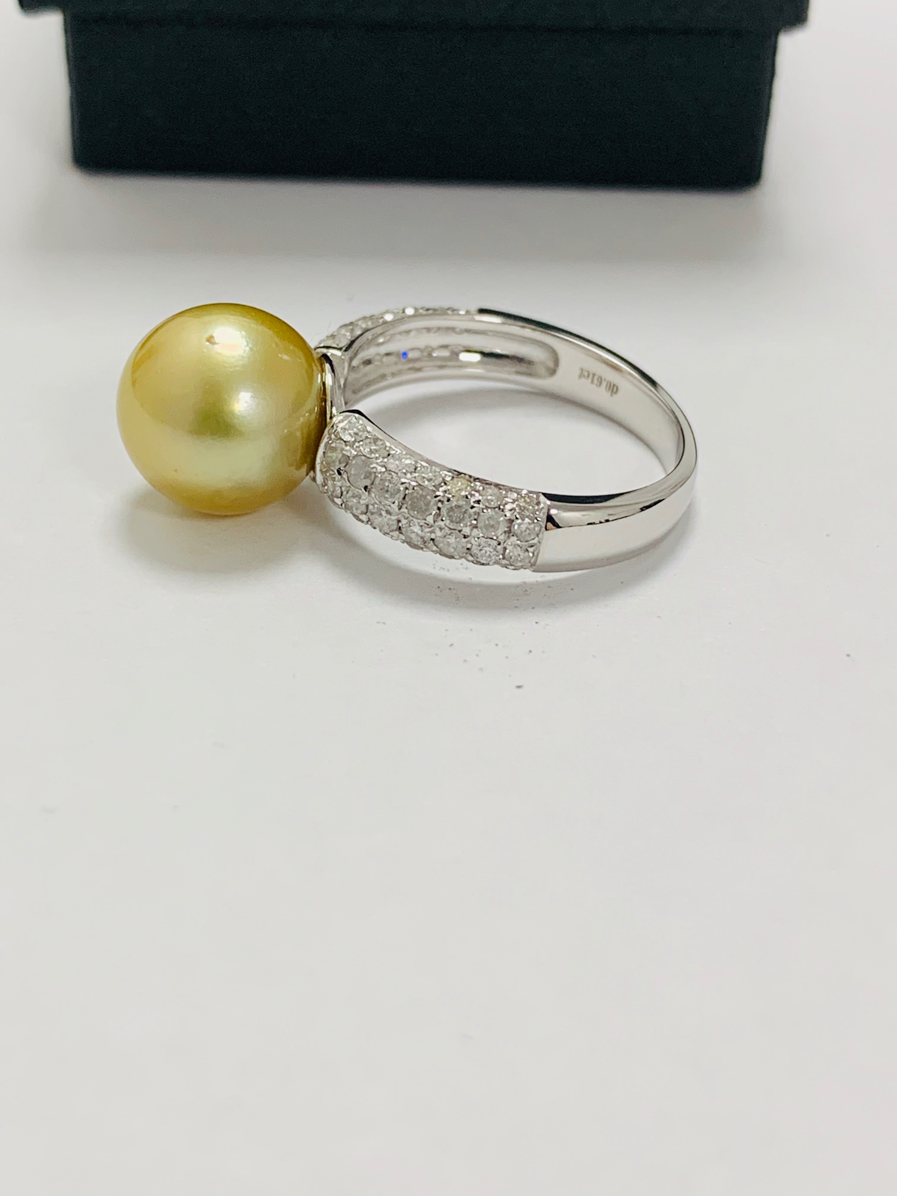 14ct white gold pearl & diamond ring. - Image 7 of 13