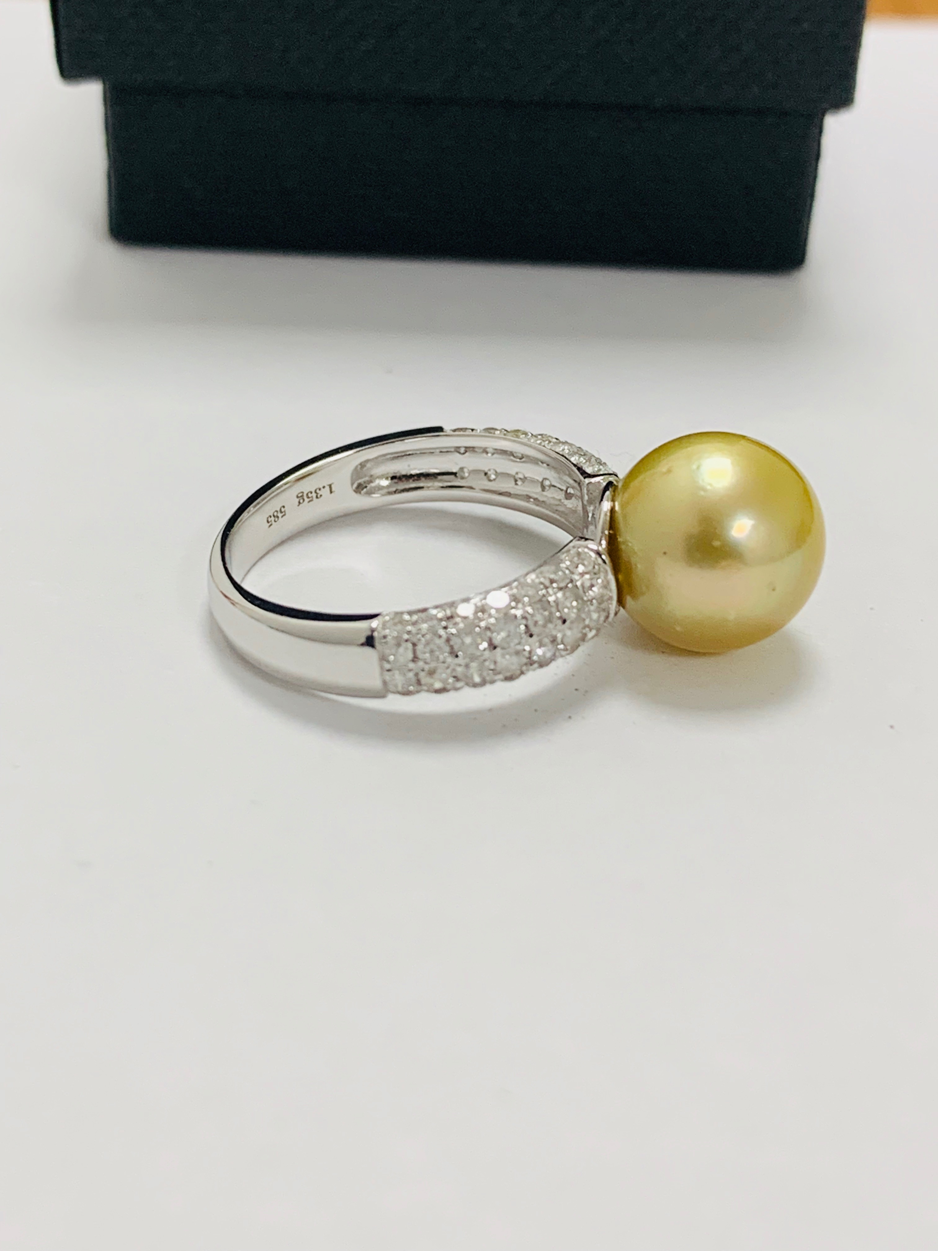 14ct white gold pearl & diamond ring. - Image 12 of 13