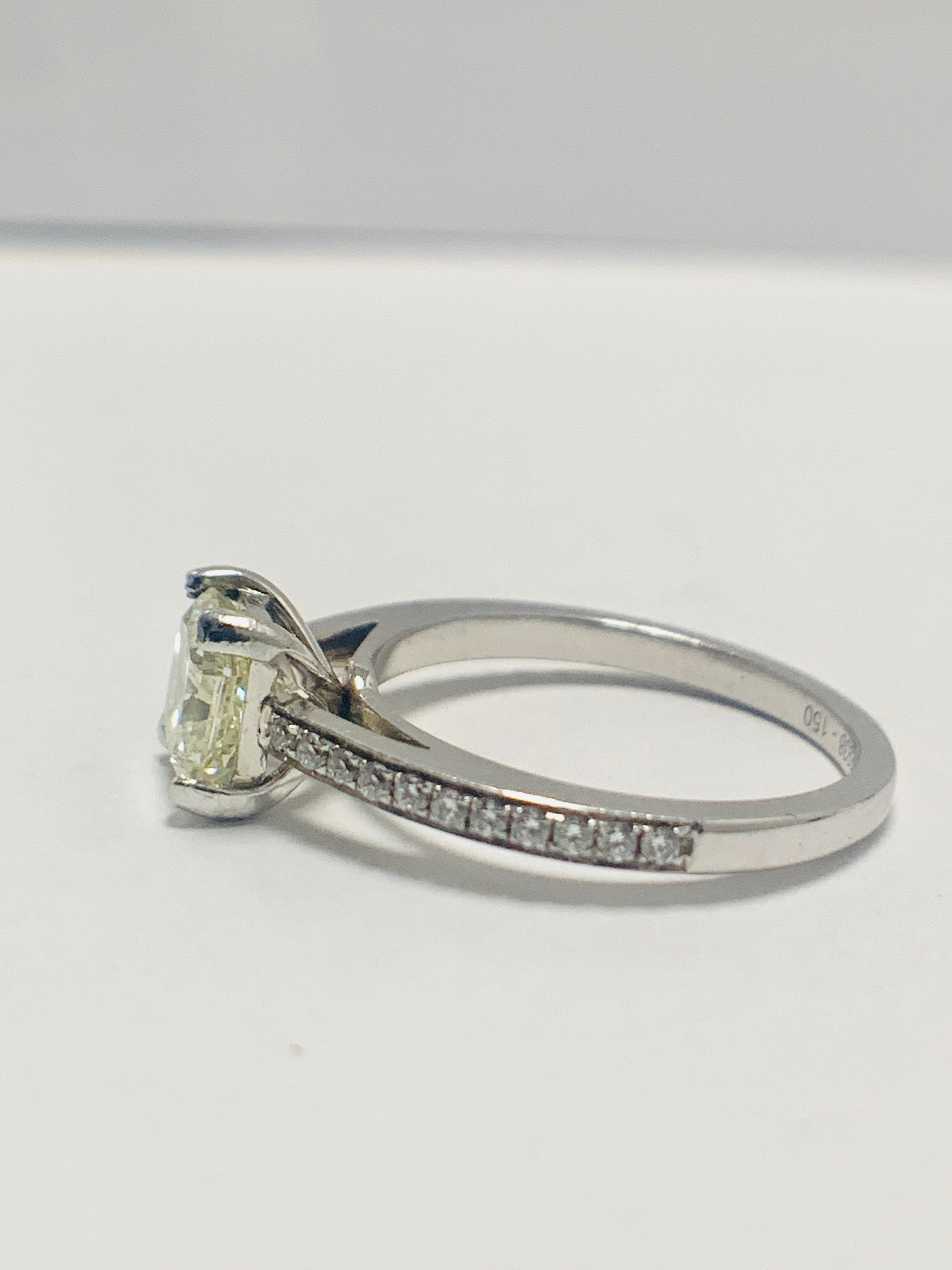 1ct cushion cut platinum diamond solitaire ring - Image 3 of 8