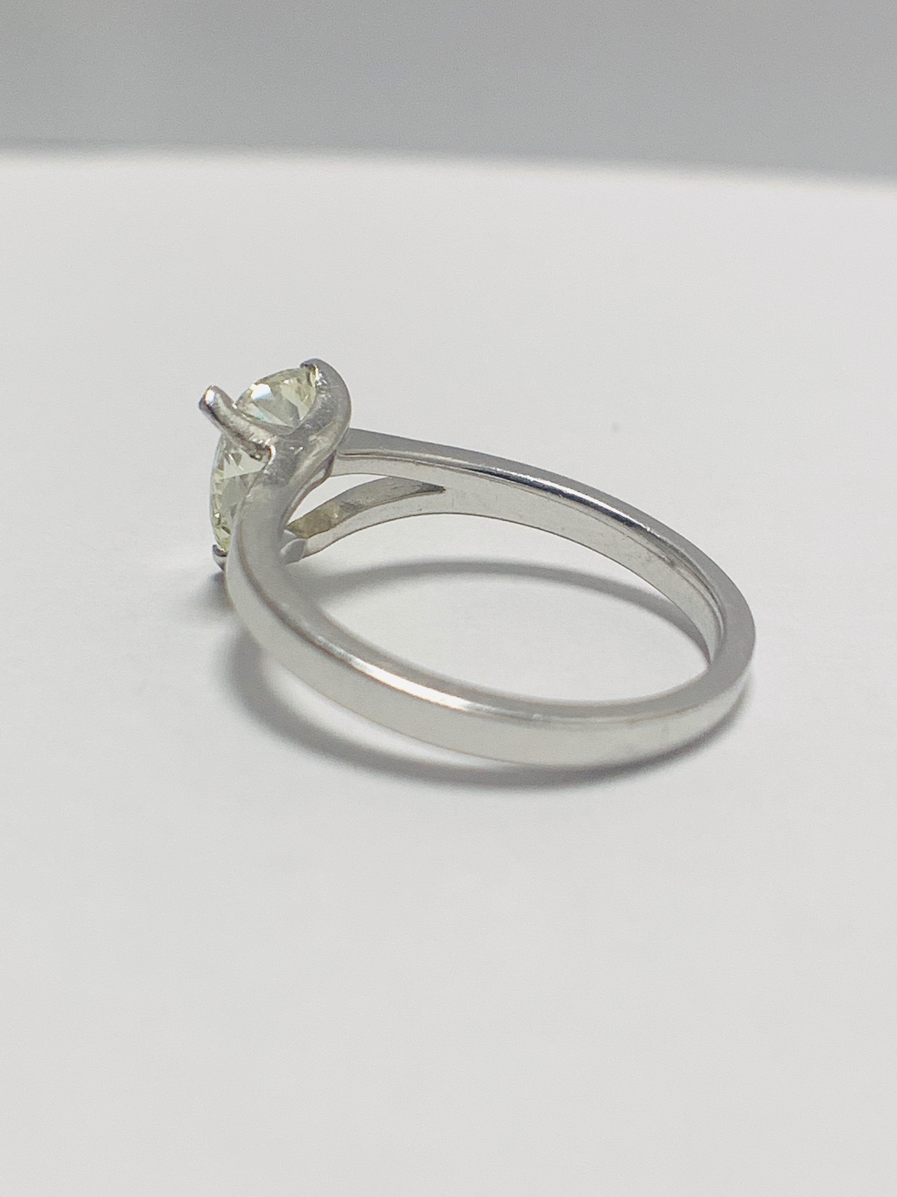 1ct Pearshape Diamond PLatinum Solitaire Ring. - Image 4 of 9