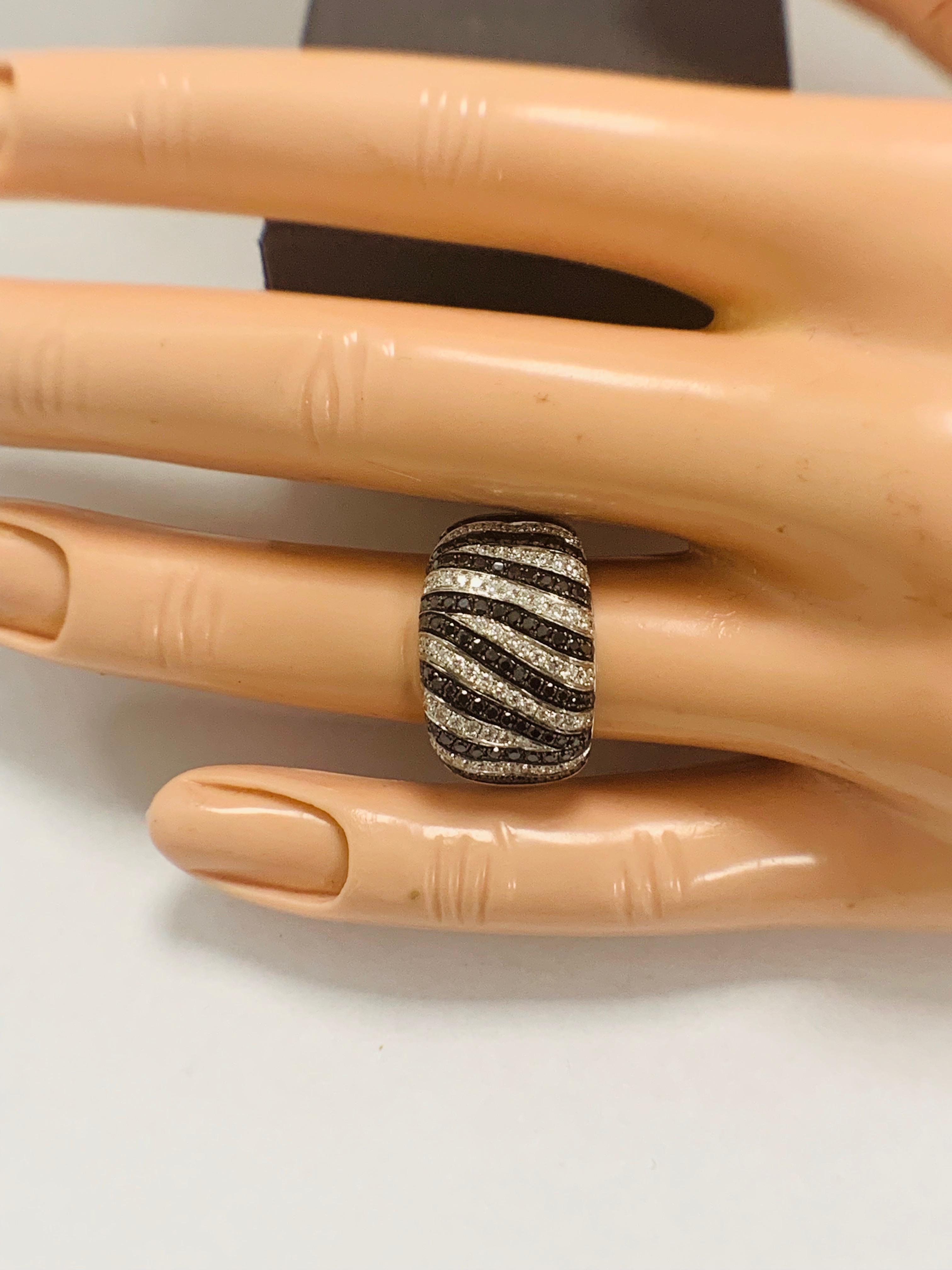 18ct White Gold Diamond ring - Image 11 of 14