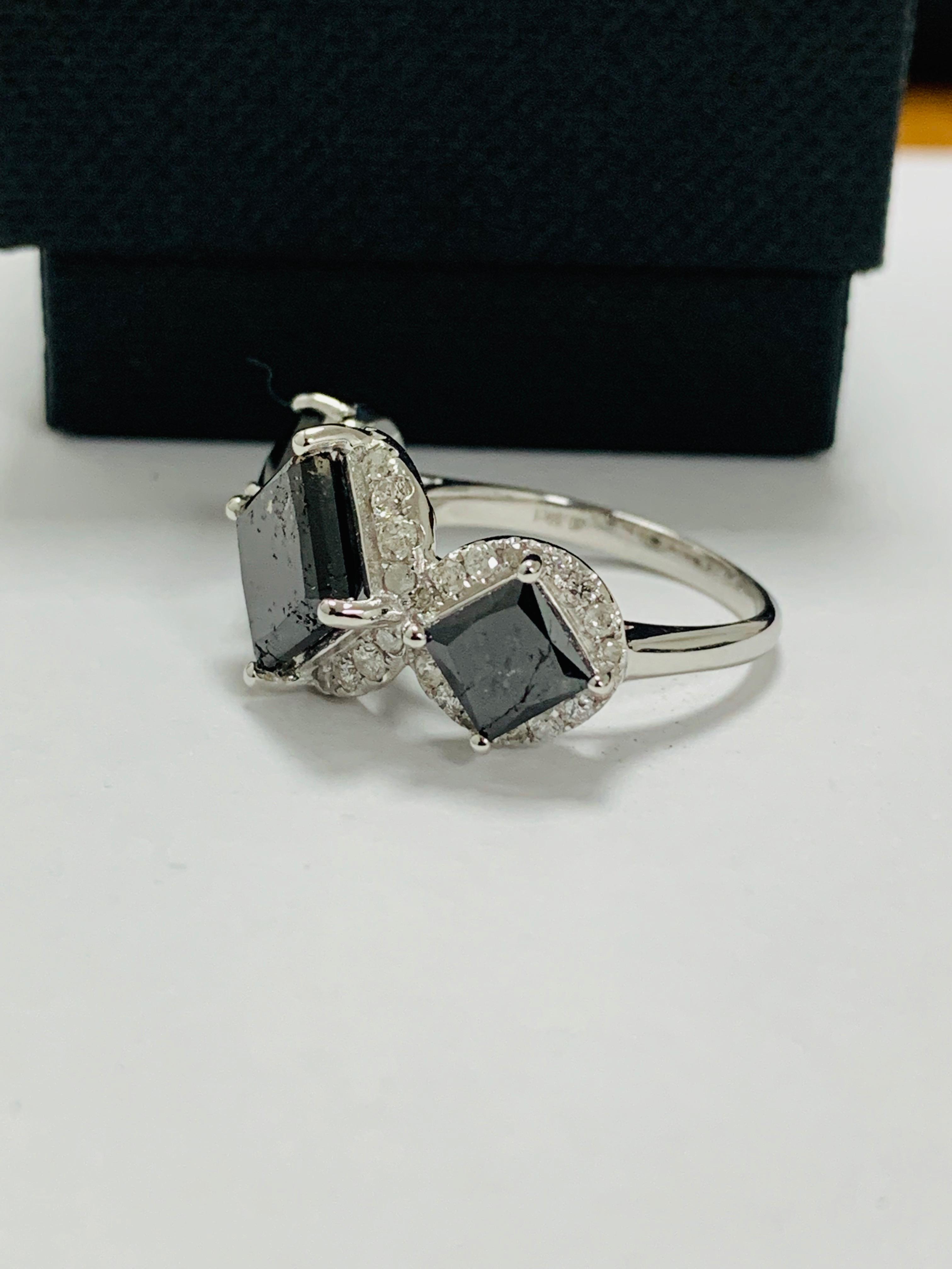 14ct white gold black diamond trilogy ring. - Image 3 of 14