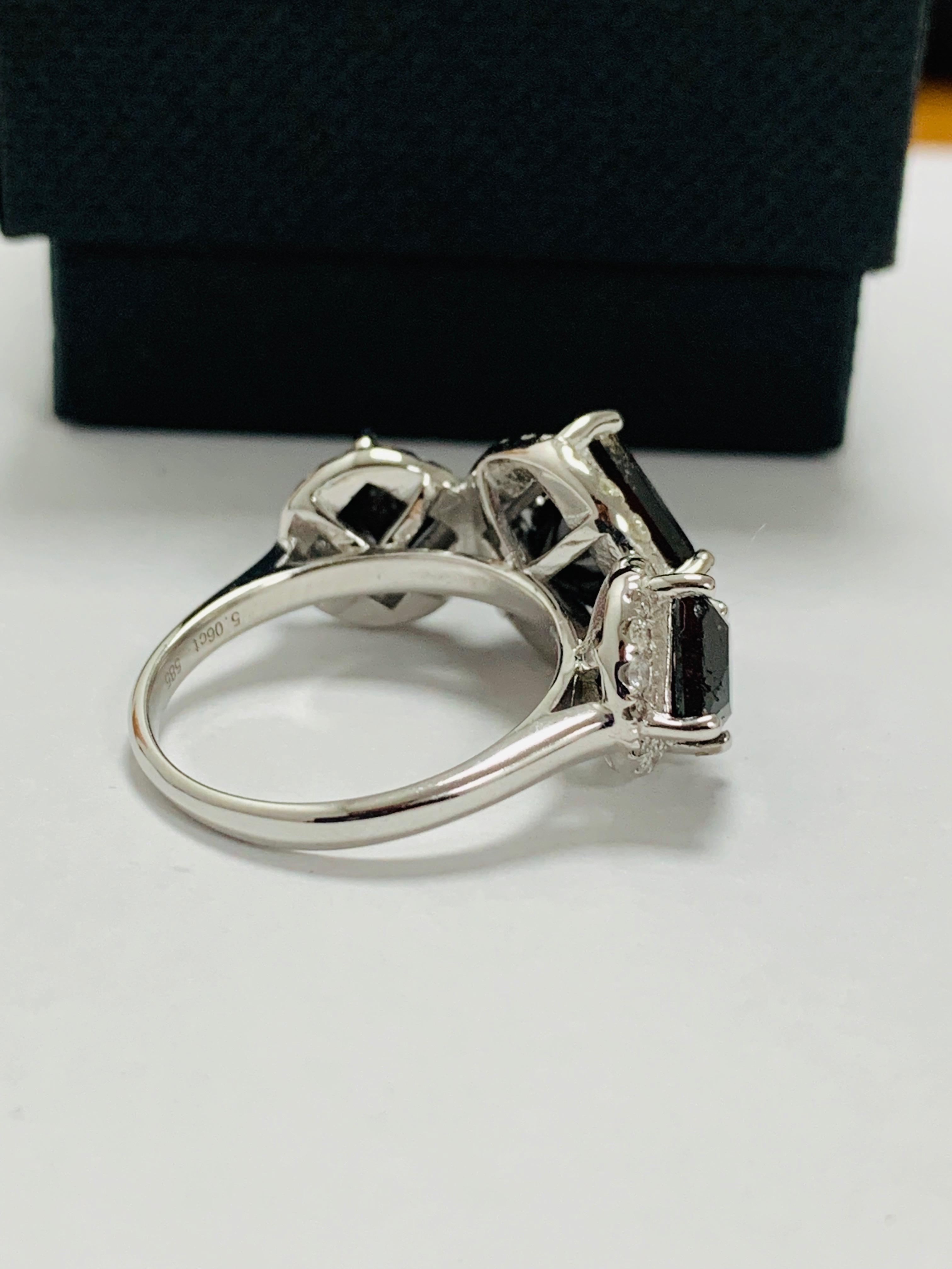 14ct white gold black diamond trilogy ring. - Image 8 of 14