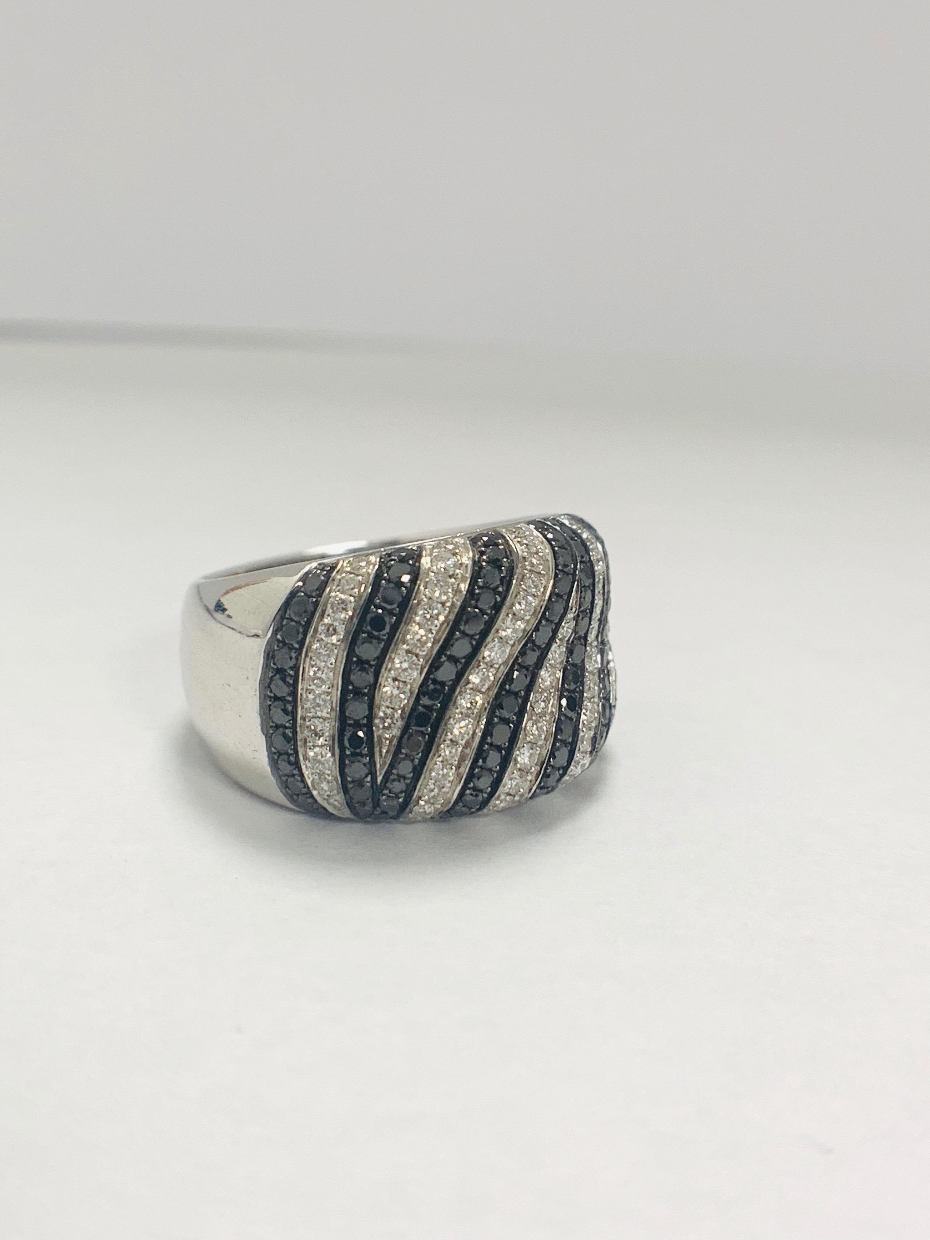 18ct White Gold Diamond ring - Image 8 of 14