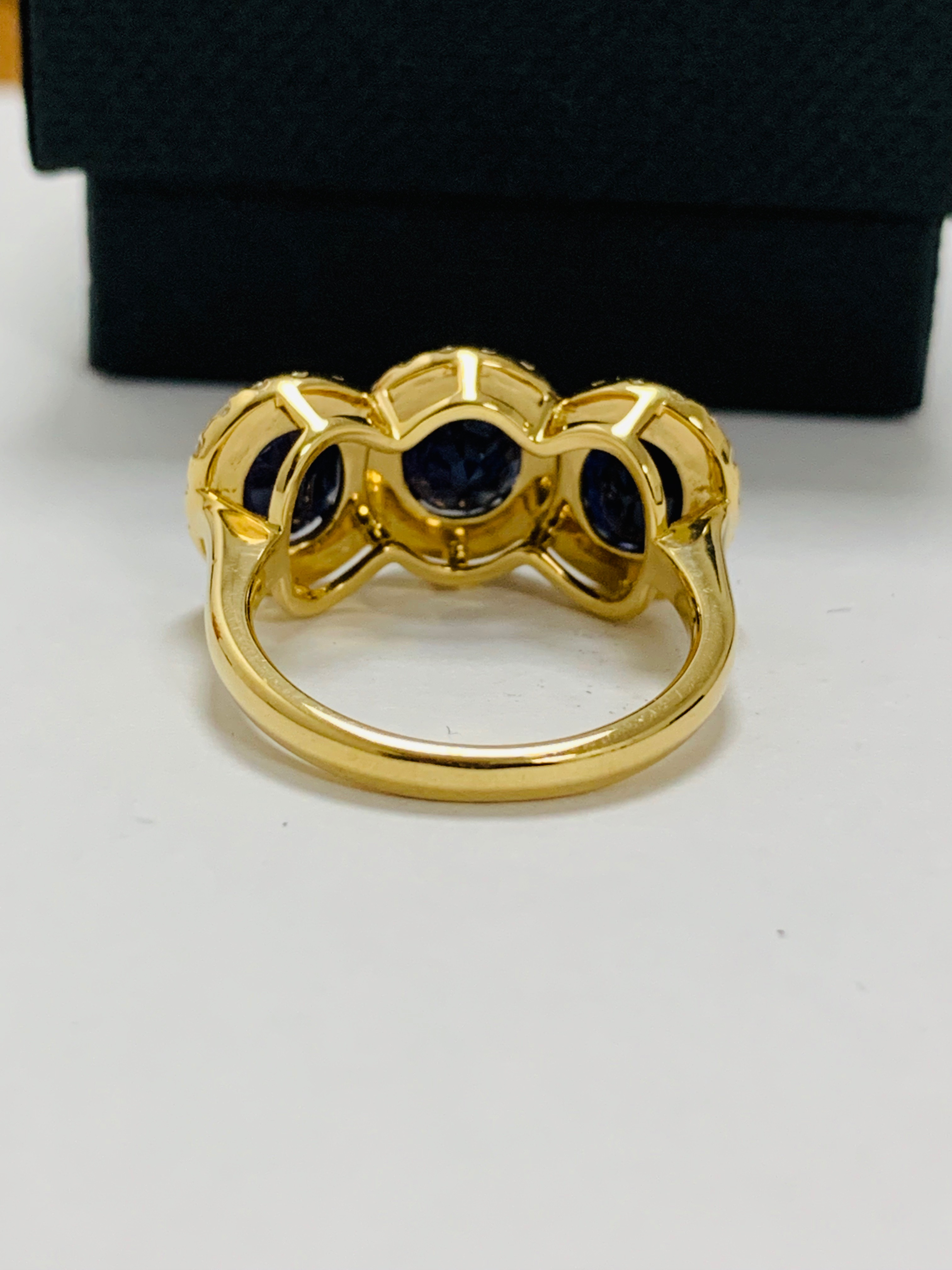 18ct yellow gold sapphire and diamond ring - Image 6 of 12