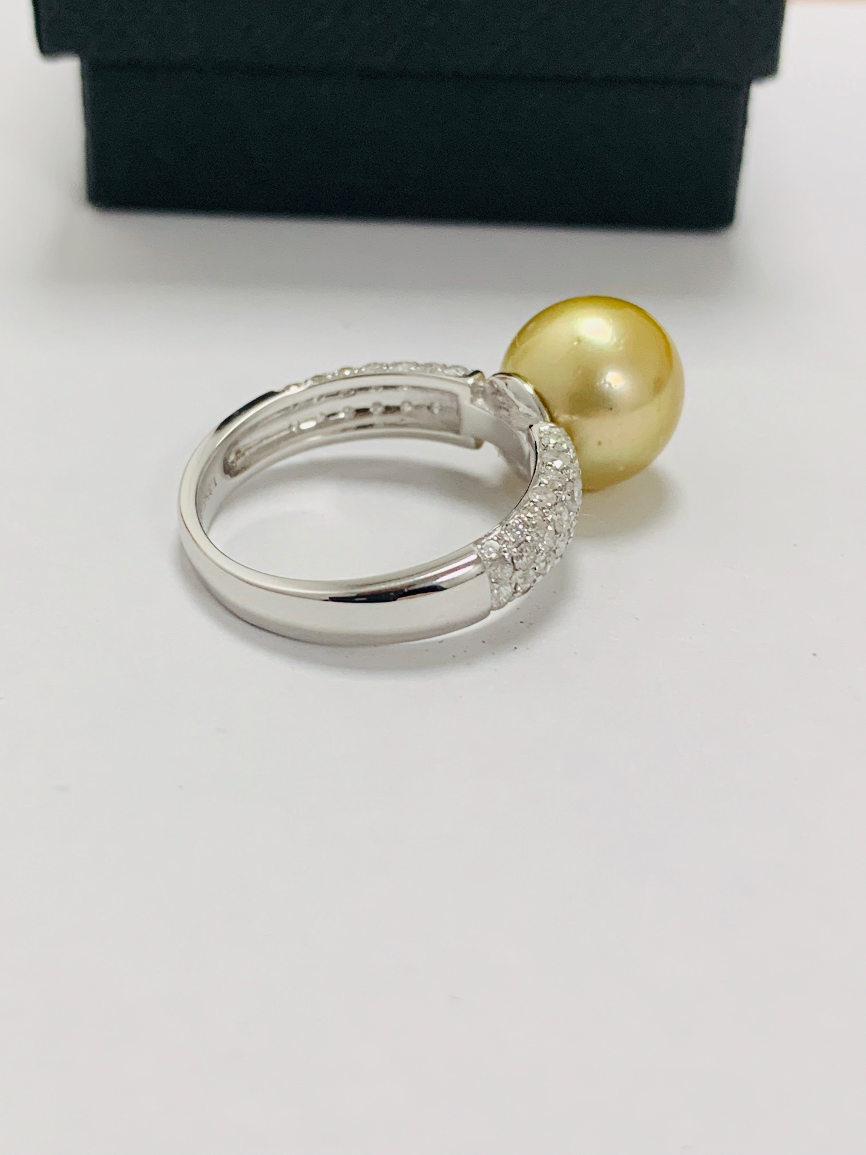 14ct white gold pearl & diamond ring. - Image 10 of 13