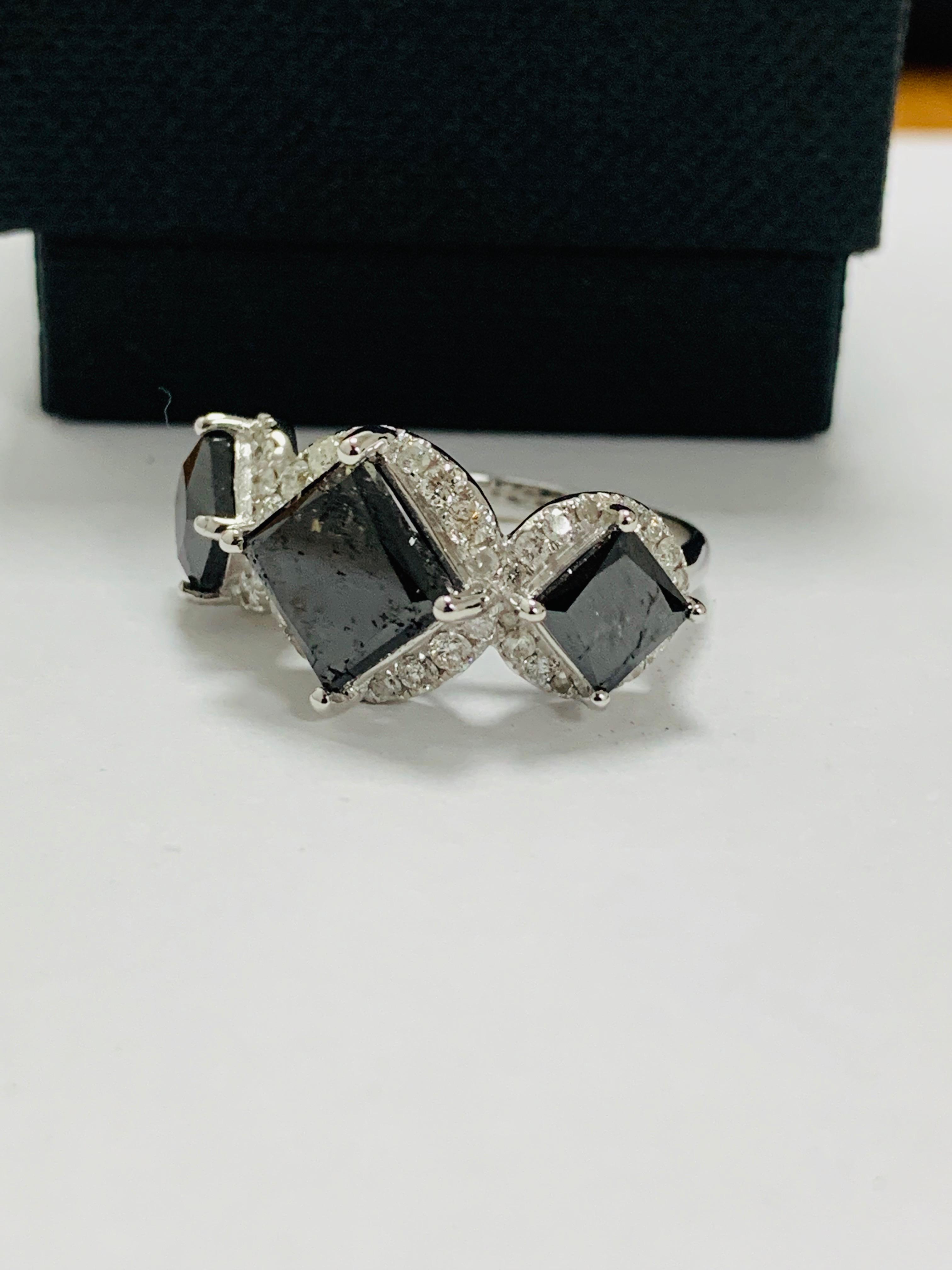 14ct white gold black diamond trilogy ring. - Image 2 of 14
