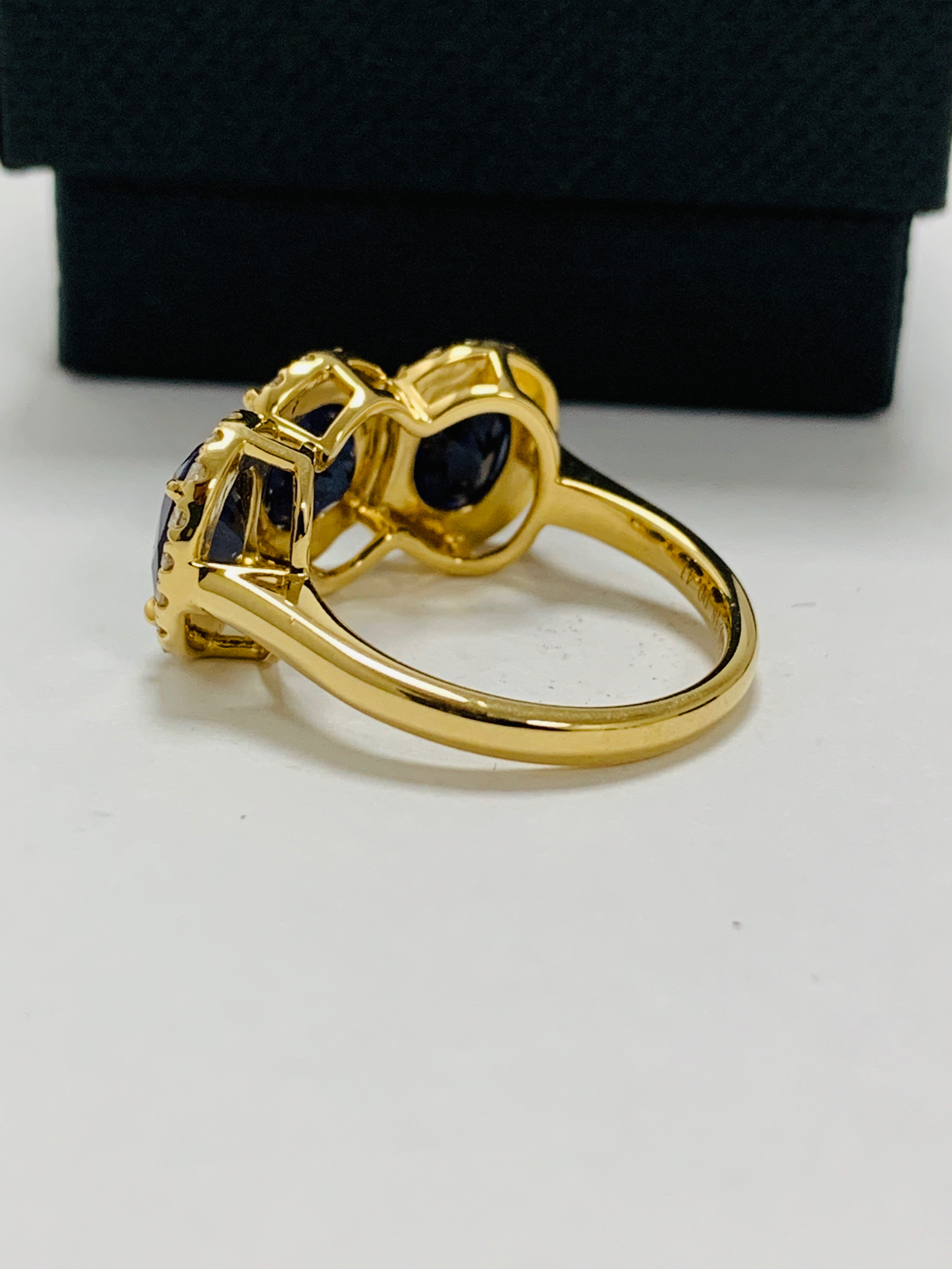 18ct yellow gold sapphire and diamond ring - Image 5 of 12