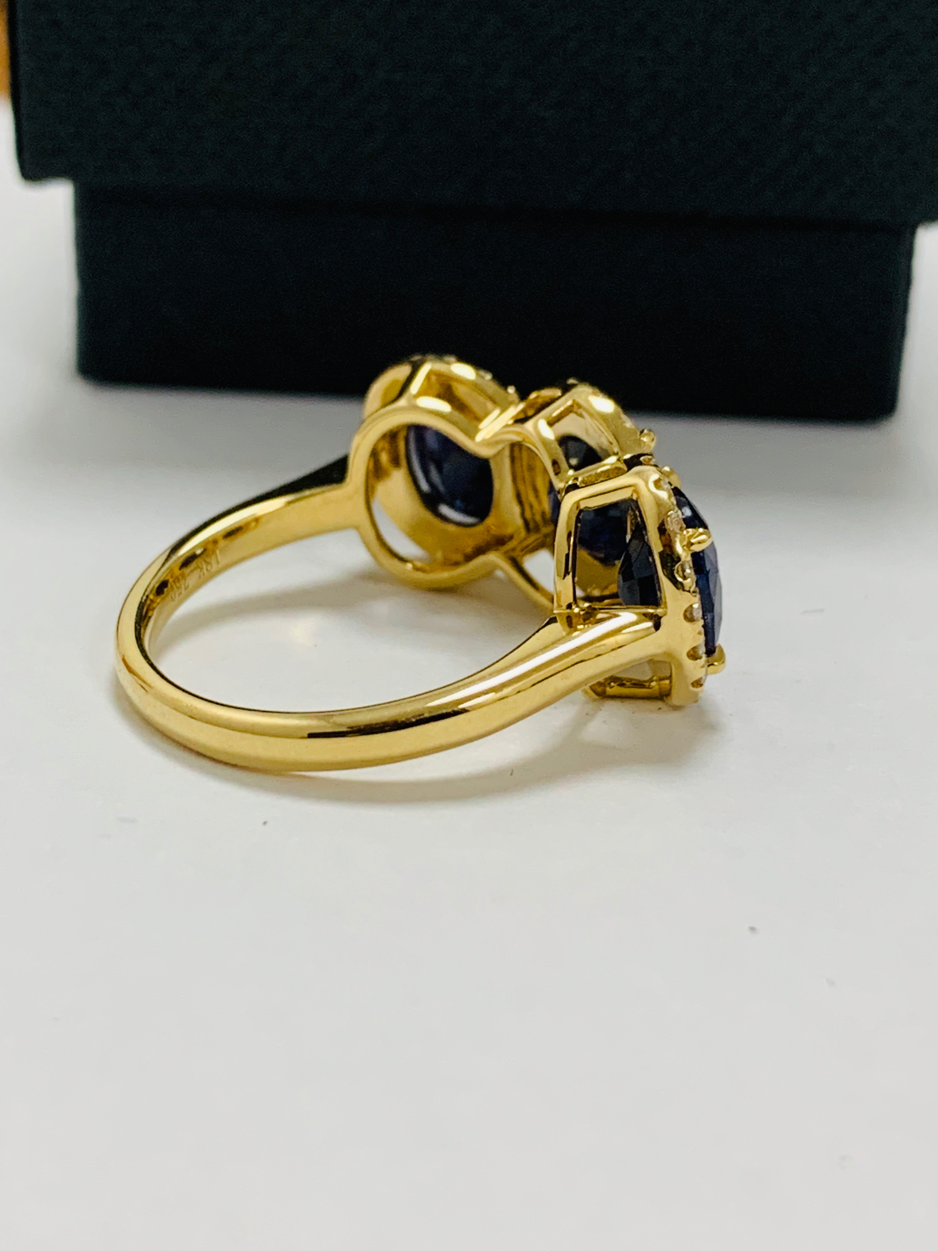 18ct yellow gold sapphire and diamond ring - Image 7 of 12