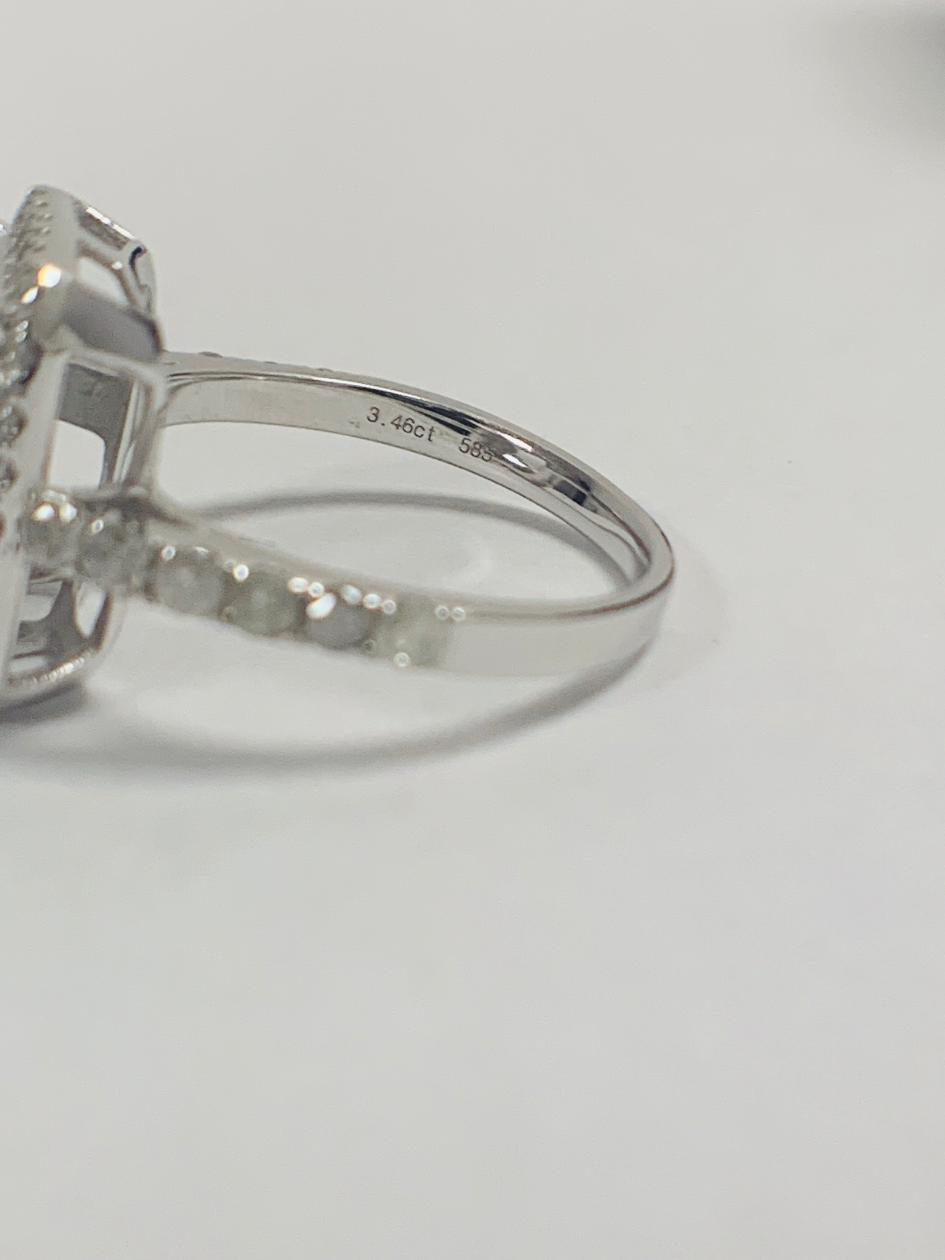 14ct White Gold Aquamarine and Diamond ring - Image 4 of 12