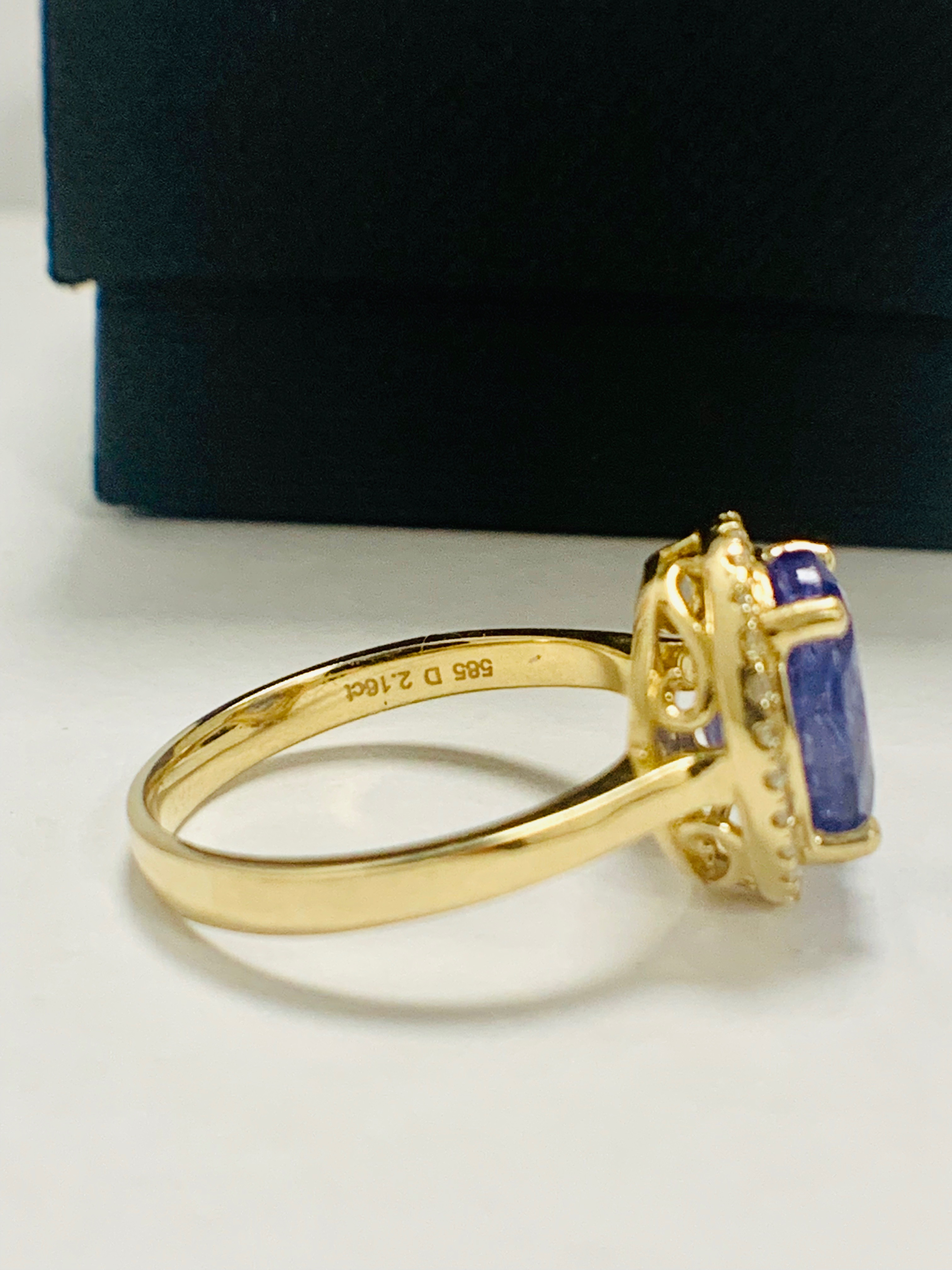 14ct Yellow Gold Tanzanite and Diamond ring - Image 8 of 13