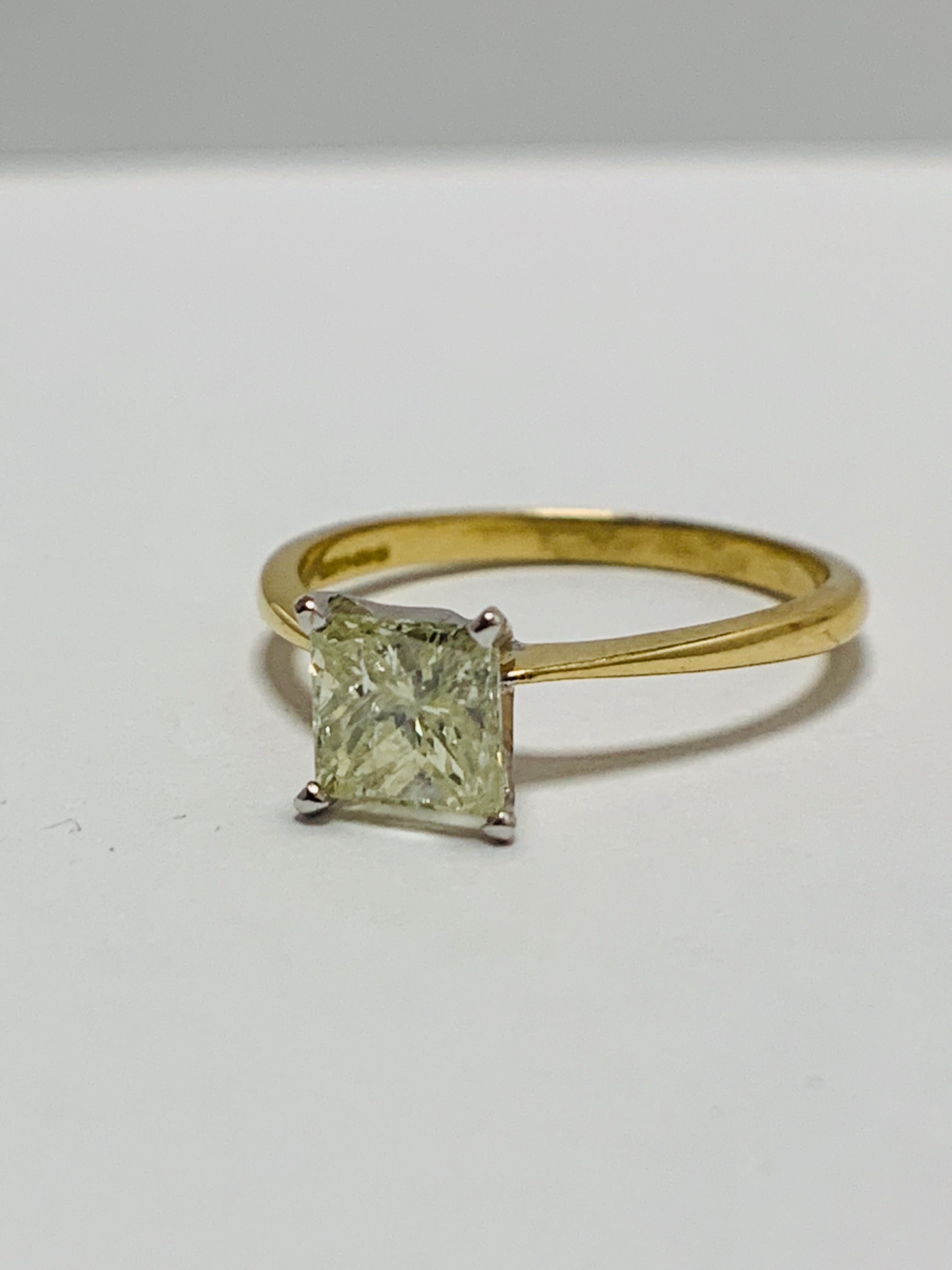 18ct Princess Cut natural diamond solitaire ring - Image 2 of 10