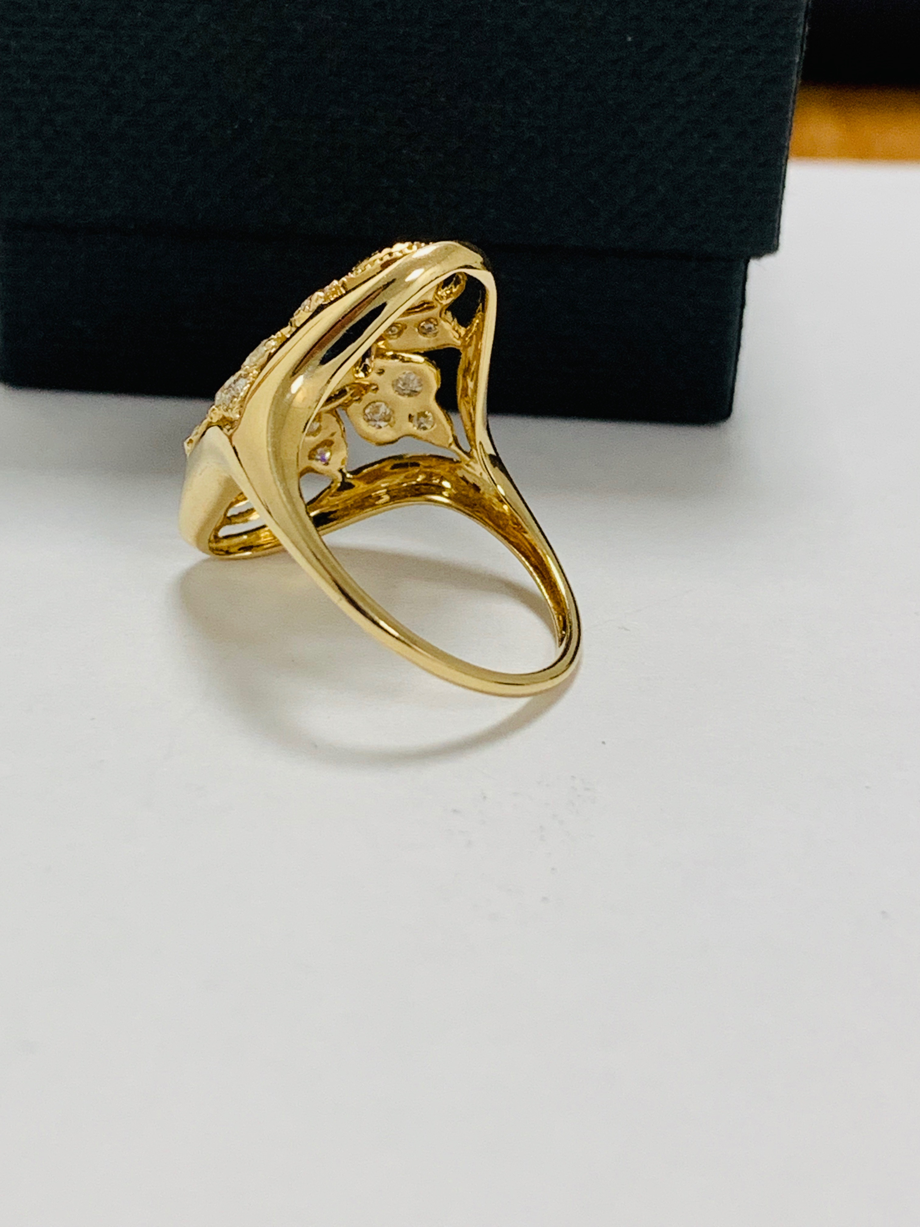 14ct yellow gold diamond ring. - Image 4 of 11