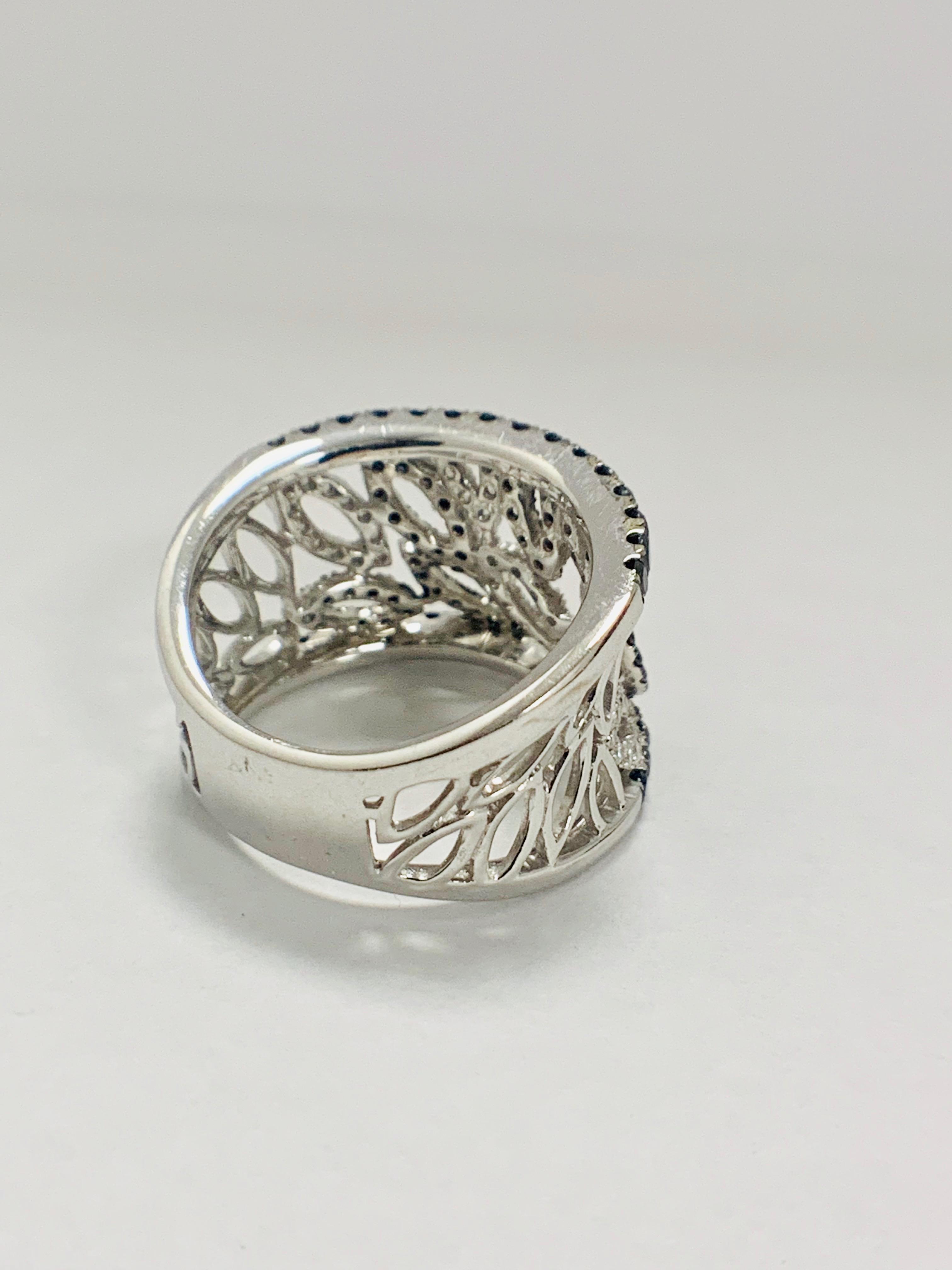 18ct White Gold Diamond ring featuring 90 round cut, black Diamonds (1.14ct TBDW) - Image 9 of 15