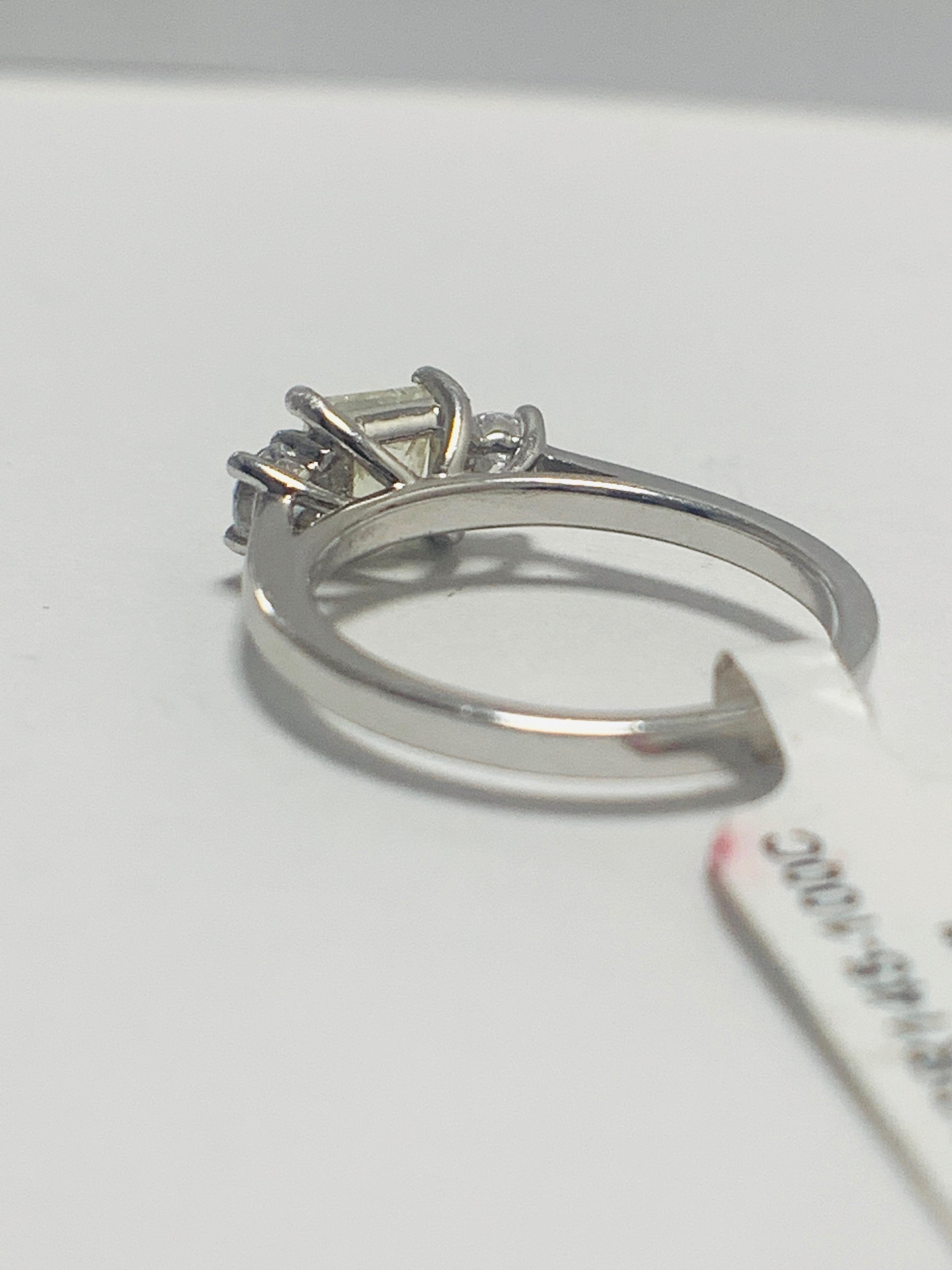 Platinum diamond three stone ring 1.50ct - Image 4 of 8