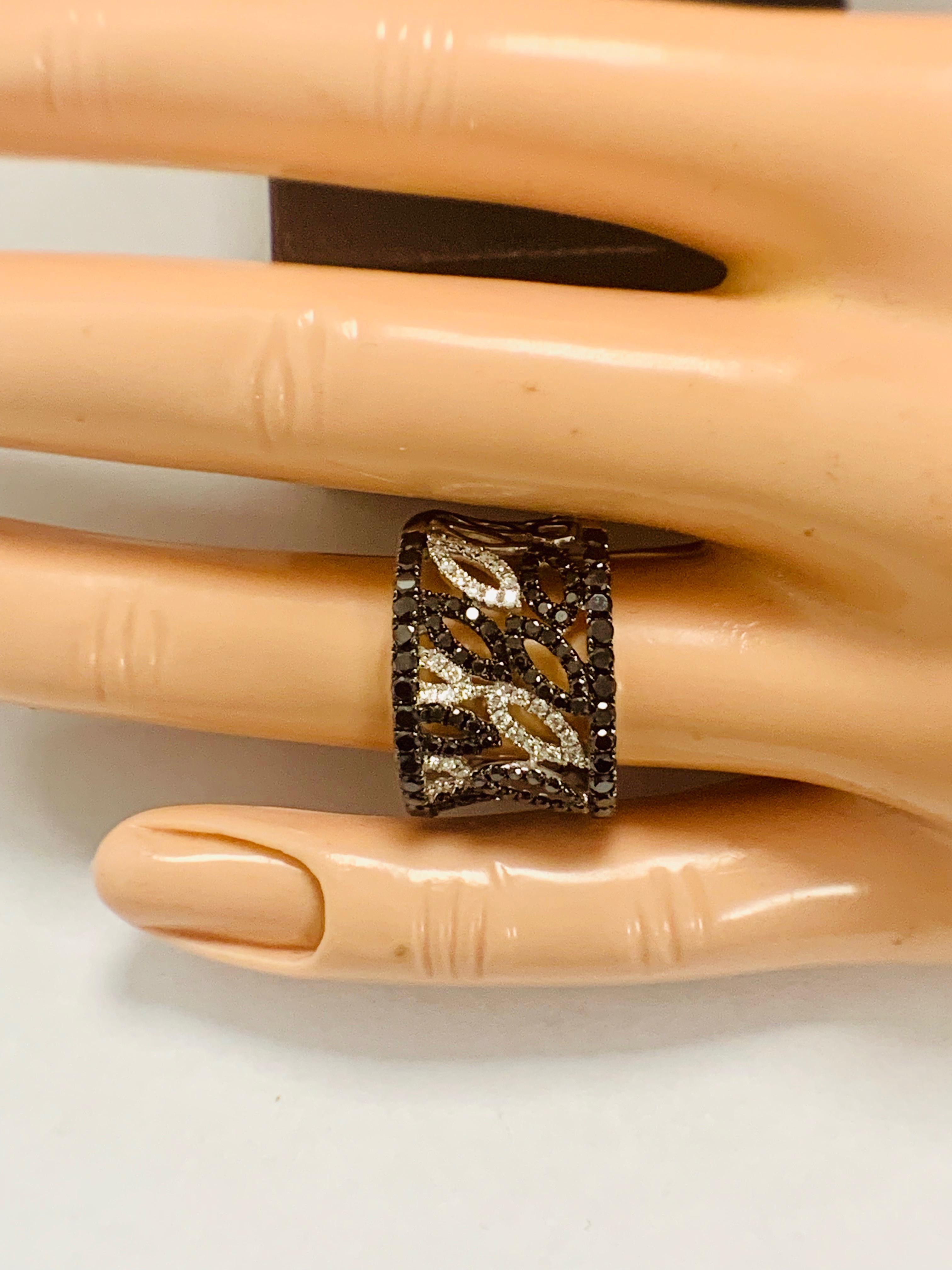 18ct White Gold Diamond ring featuring 90 round cut, black Diamonds (1.14ct TBDW) - Image 13 of 15