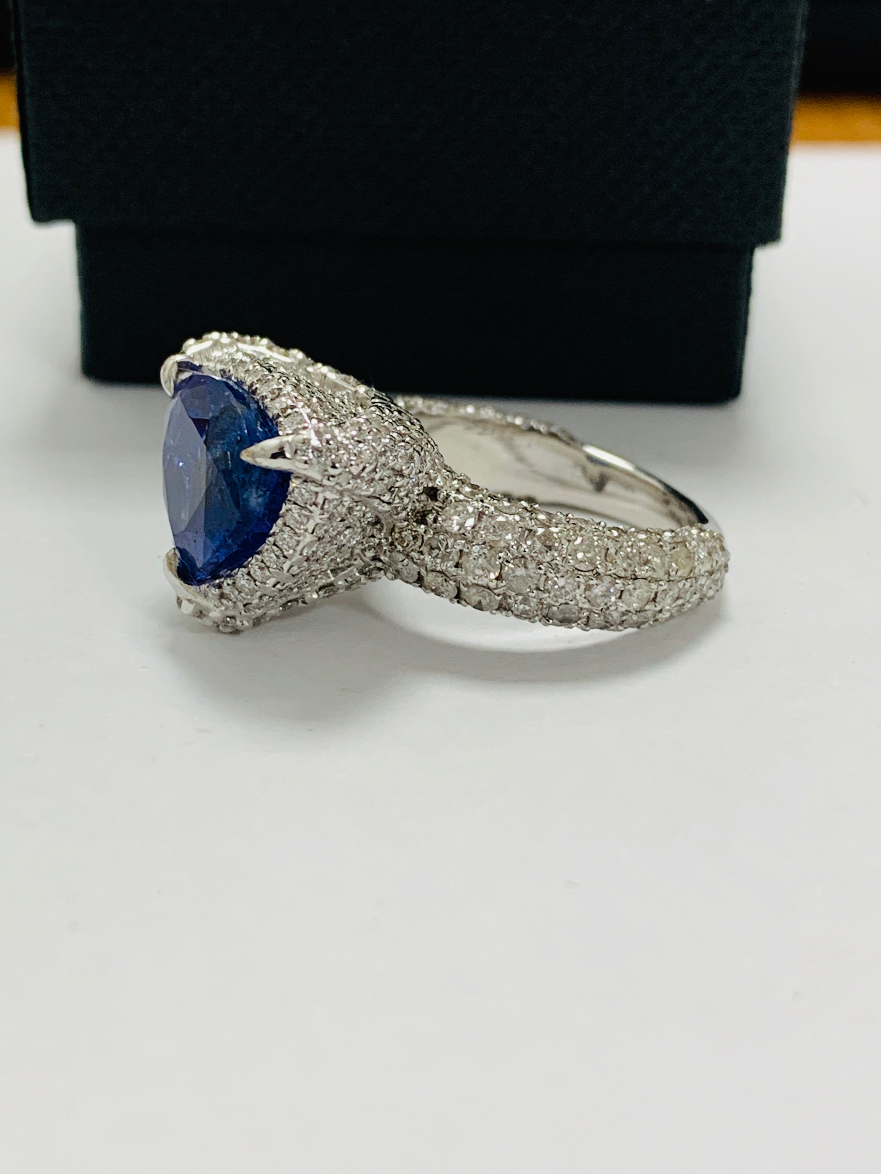 platinum tanzanite ring - Image 3 of 13
