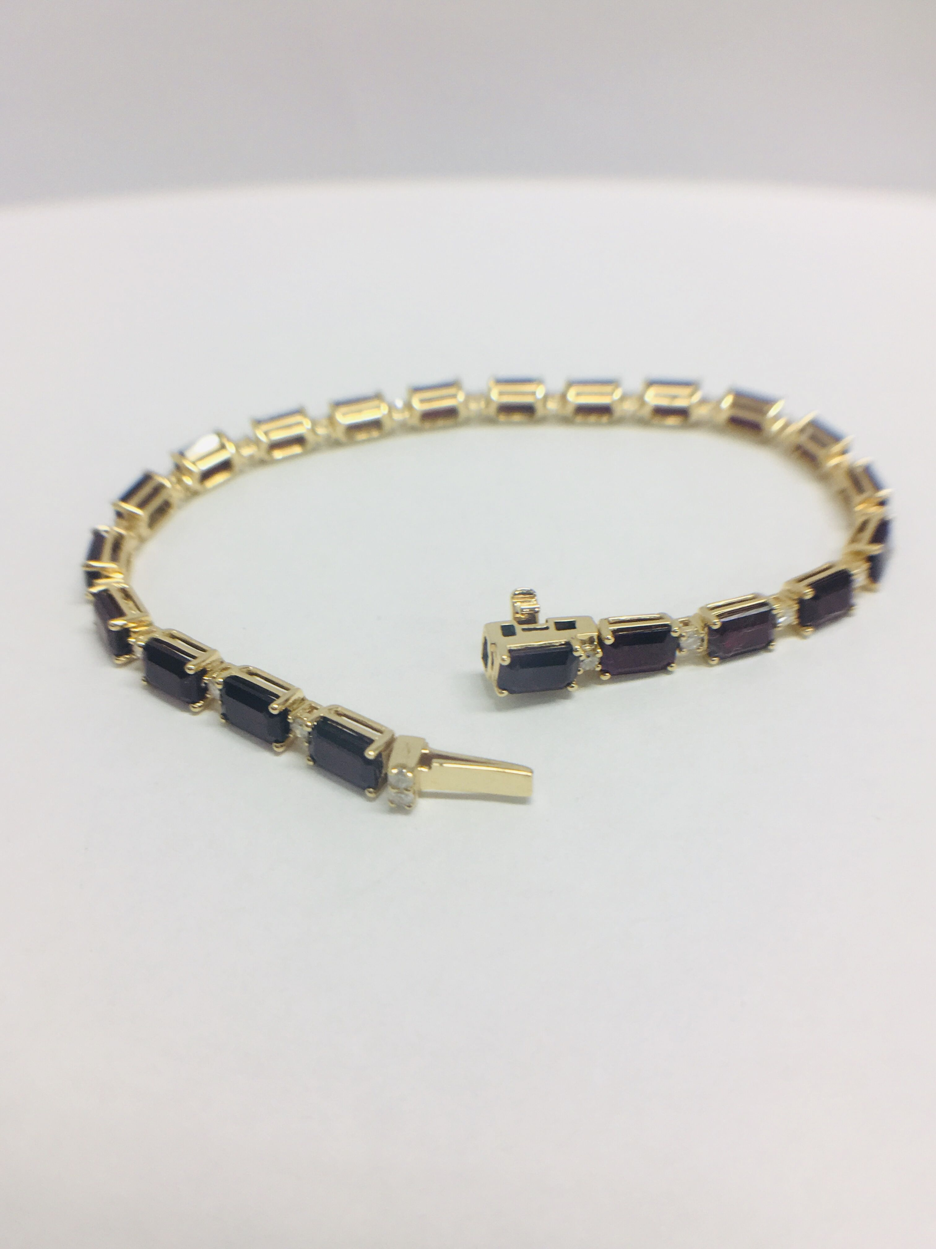 18ct yellow gold ruby and diamond tennis bracelet - Image 5 of 10