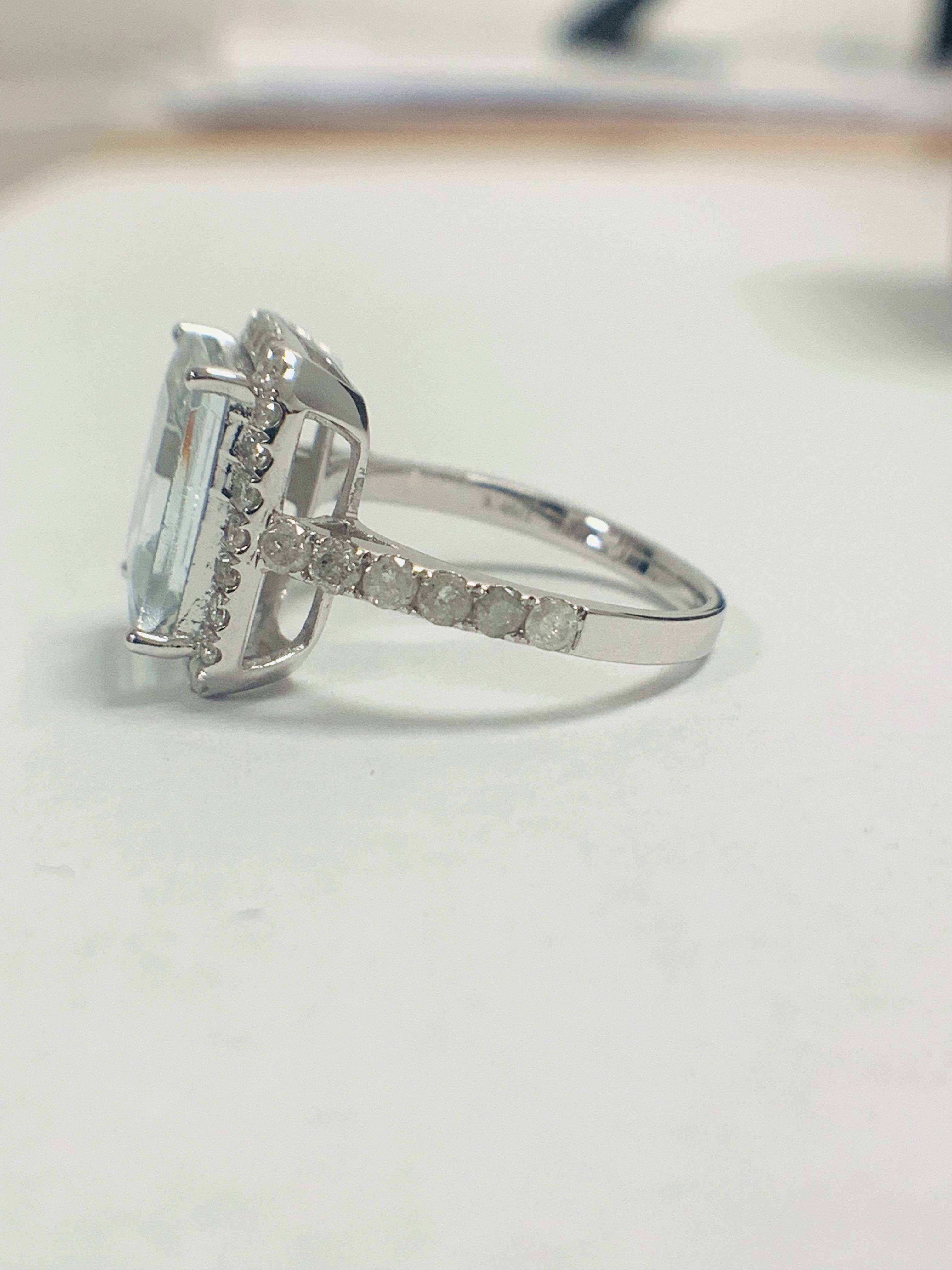 14ct White Gold Aquamarine and Diamond ring - Image 3 of 12