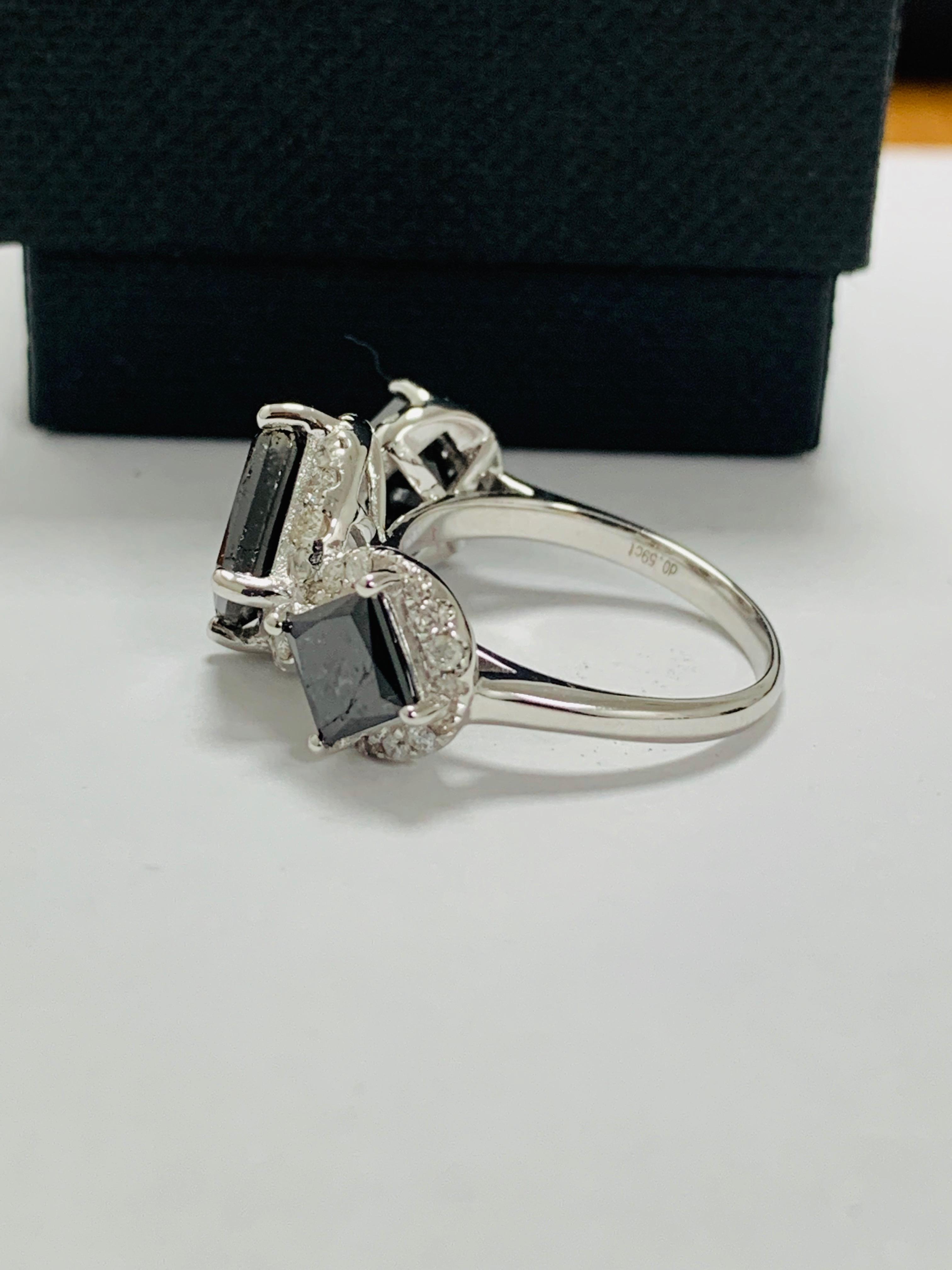 14ct white gold black diamond trilogy ring. - Image 4 of 14