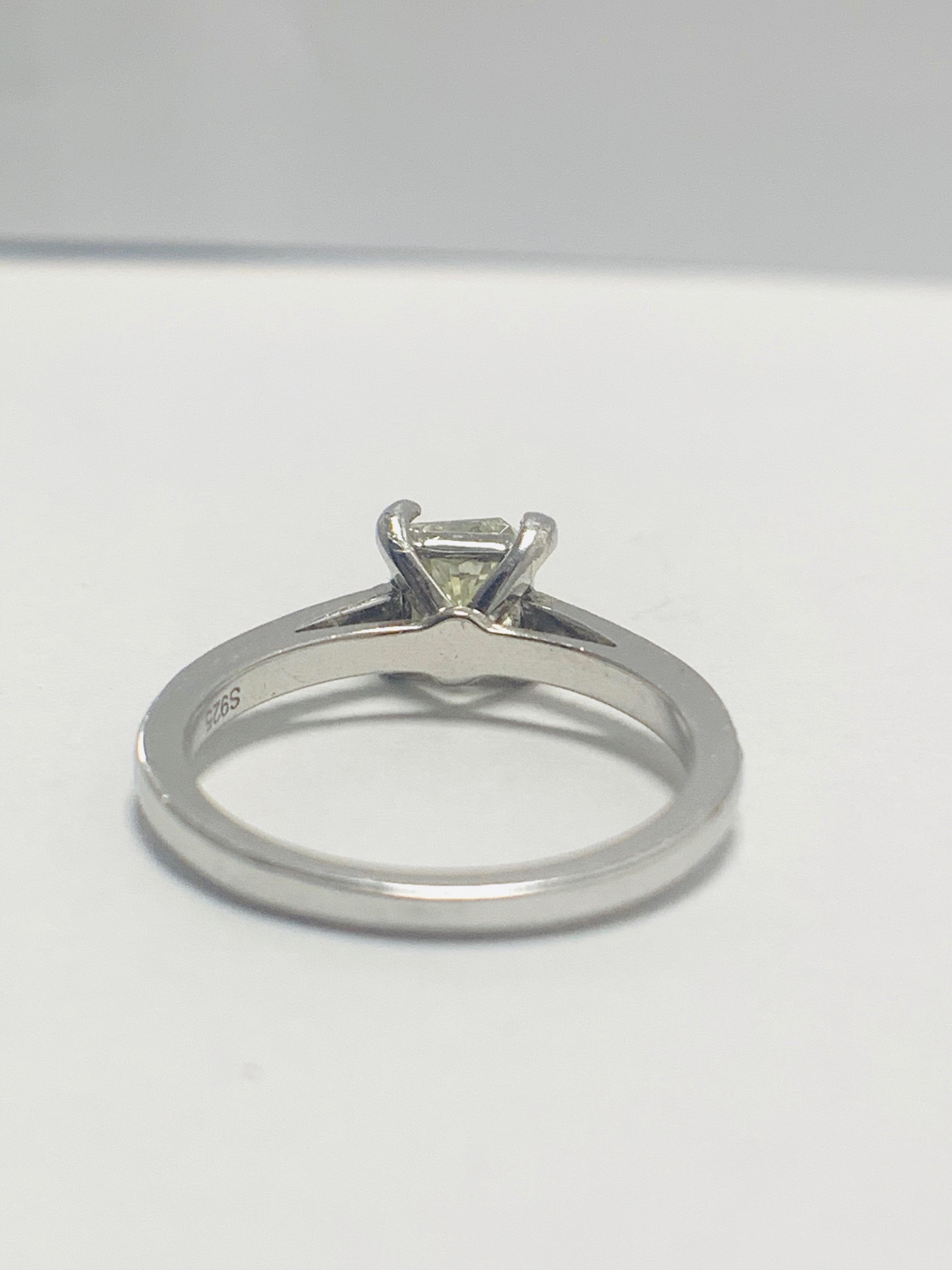1ct cushion cut platinum diamond solitaire ring - Image 5 of 8